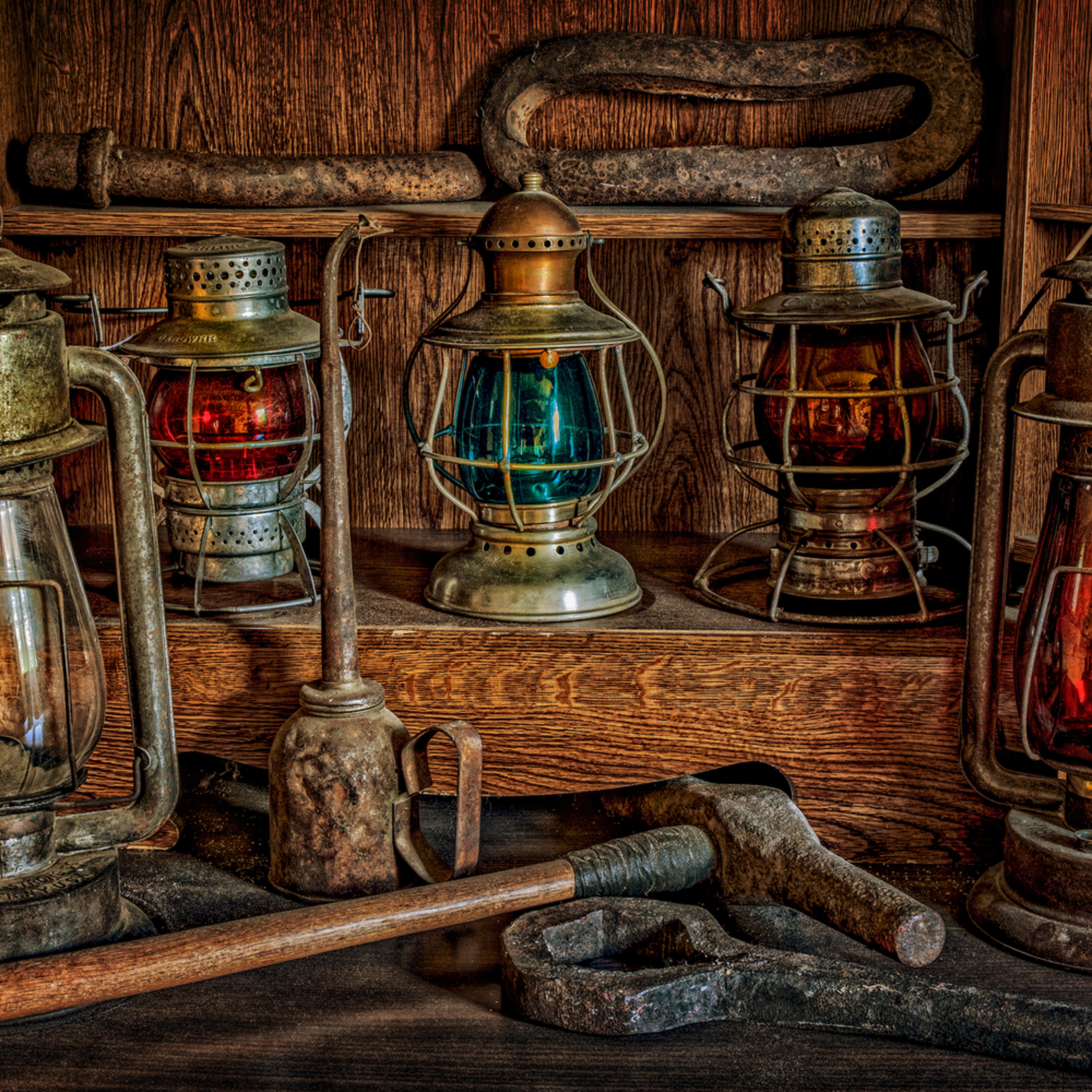 Railroad lanterns   copy j56hdm