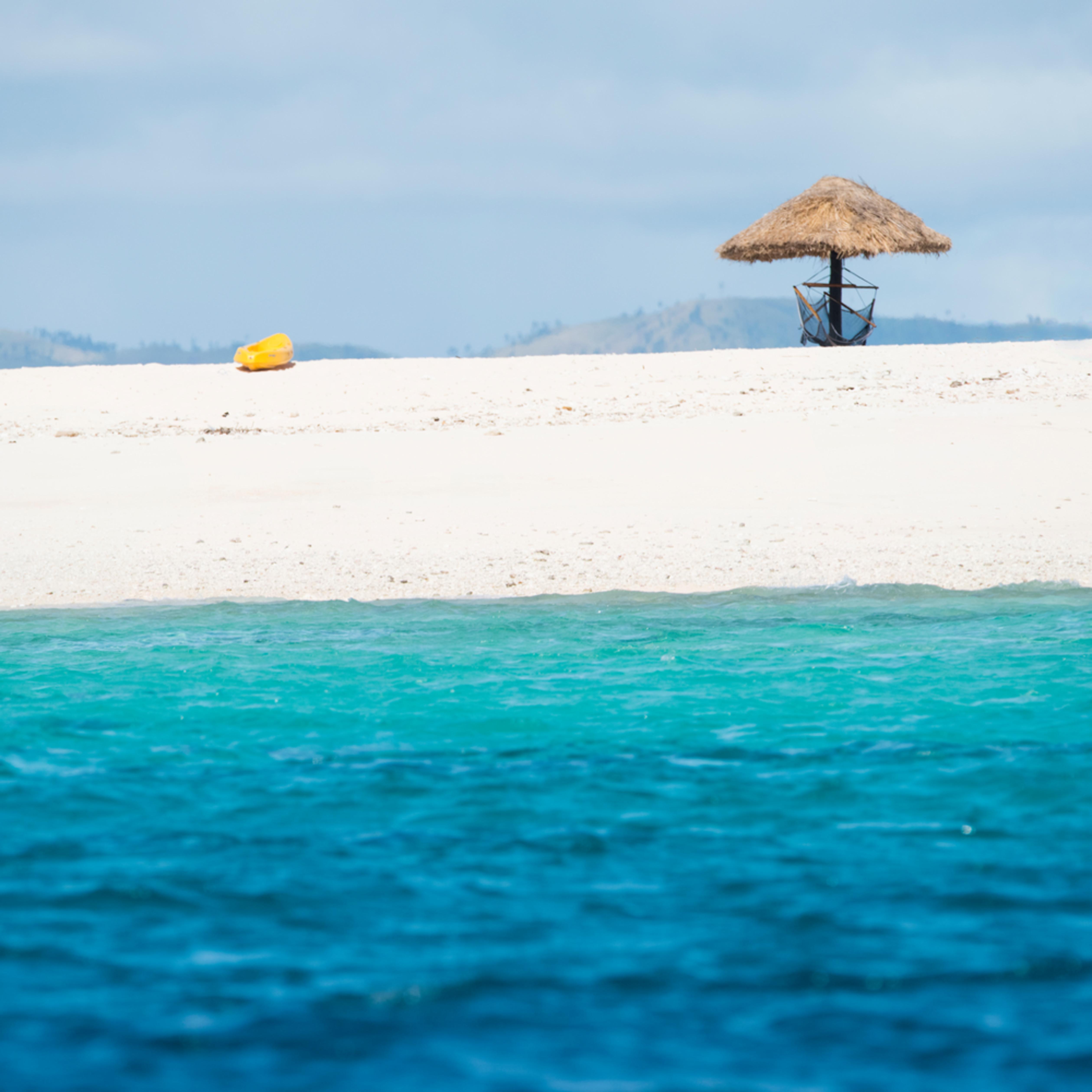 Namotu beach paradise qvd824
