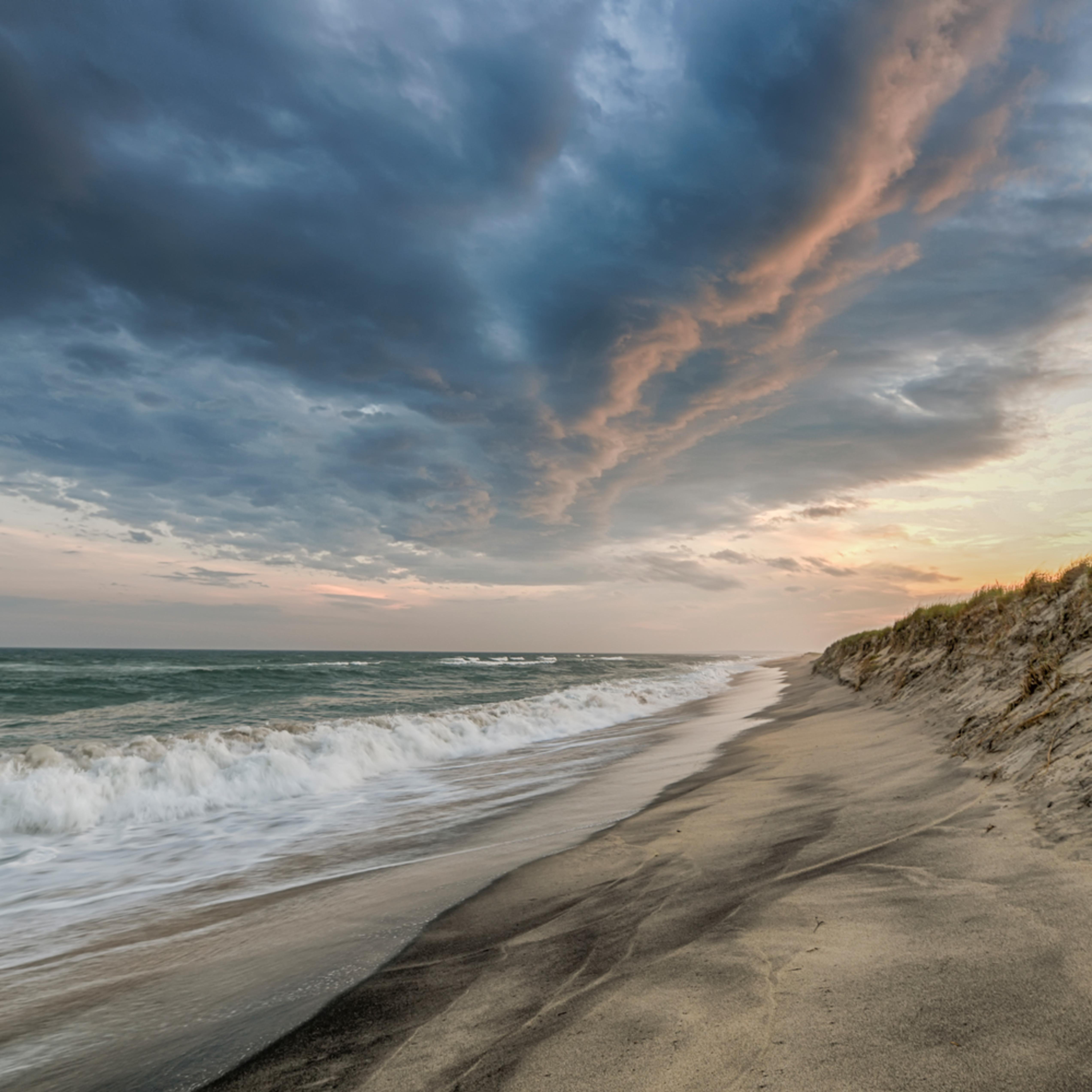 Long point beach clouds 1 kbi93i