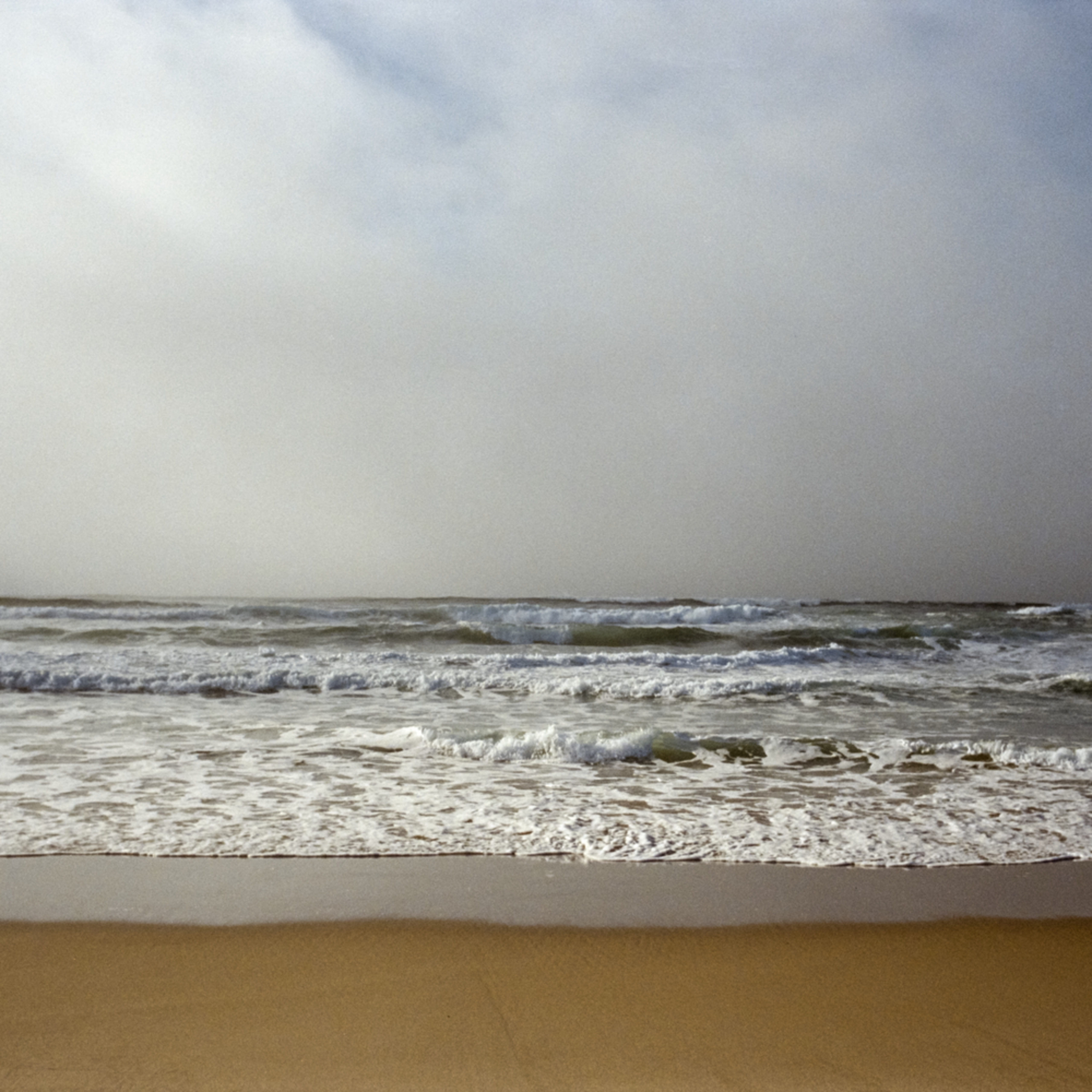 Waves and fogbank surfbeachca tpnhet