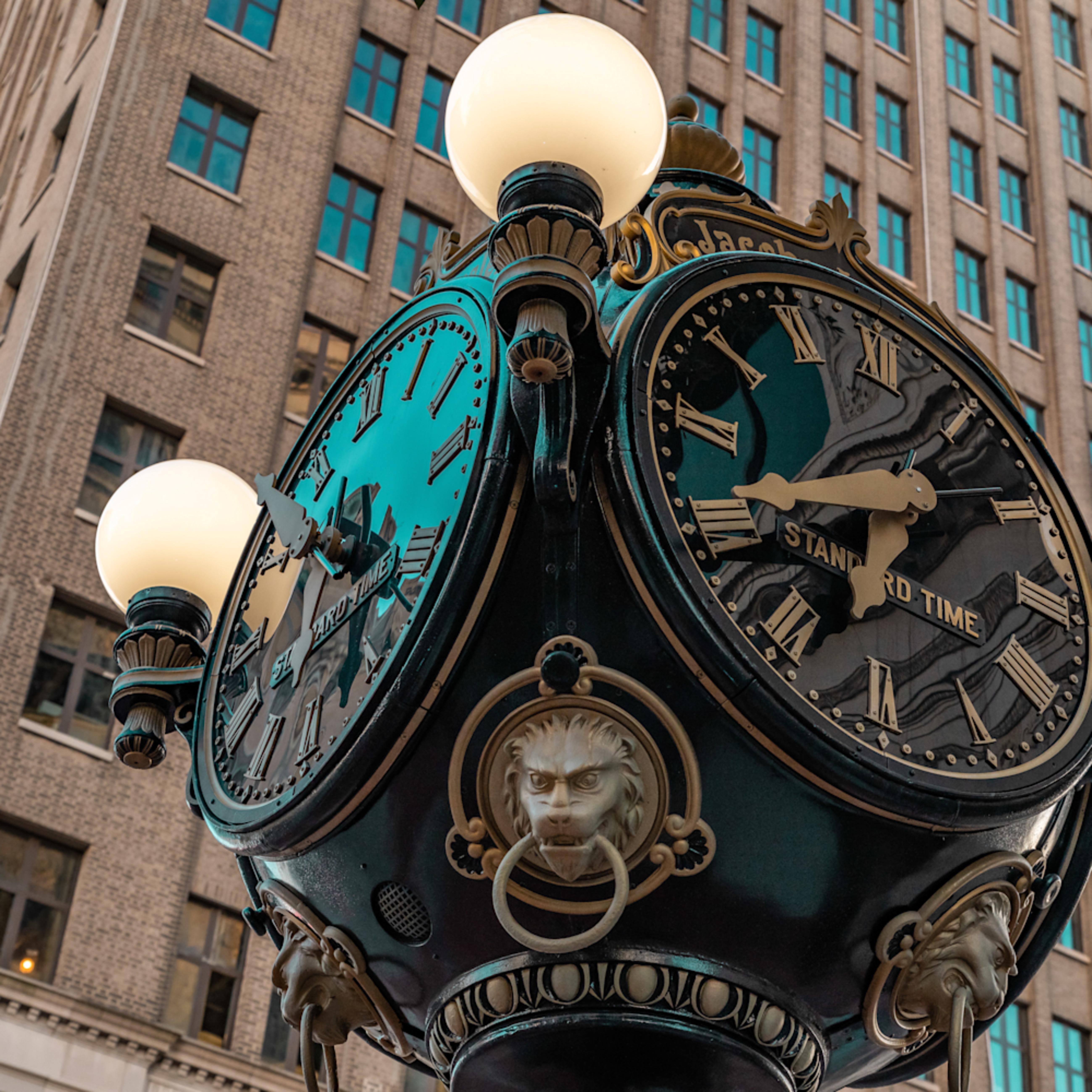 6   downtown clock pbh72l