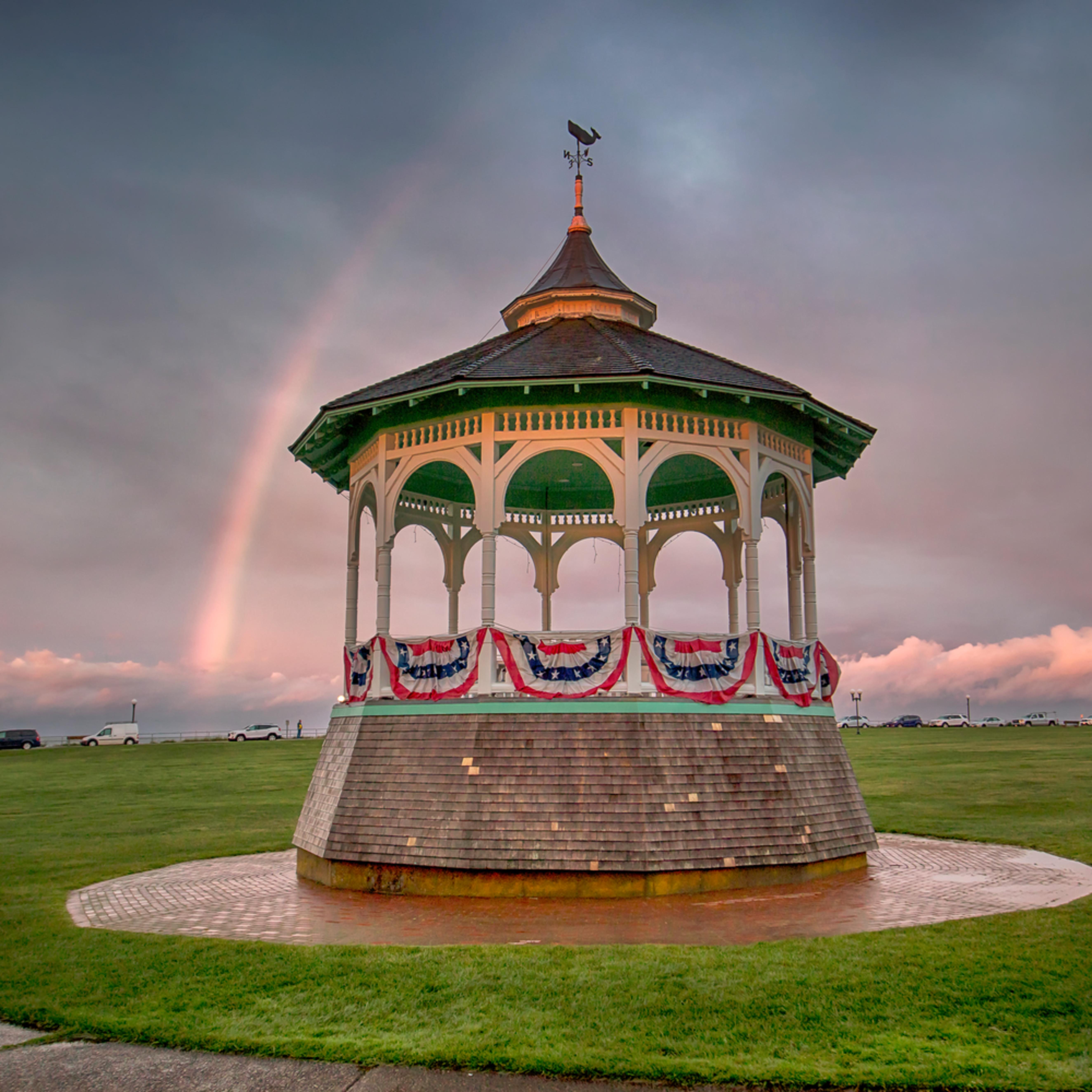 Oak bluffs bandstand rainbow kuprwb