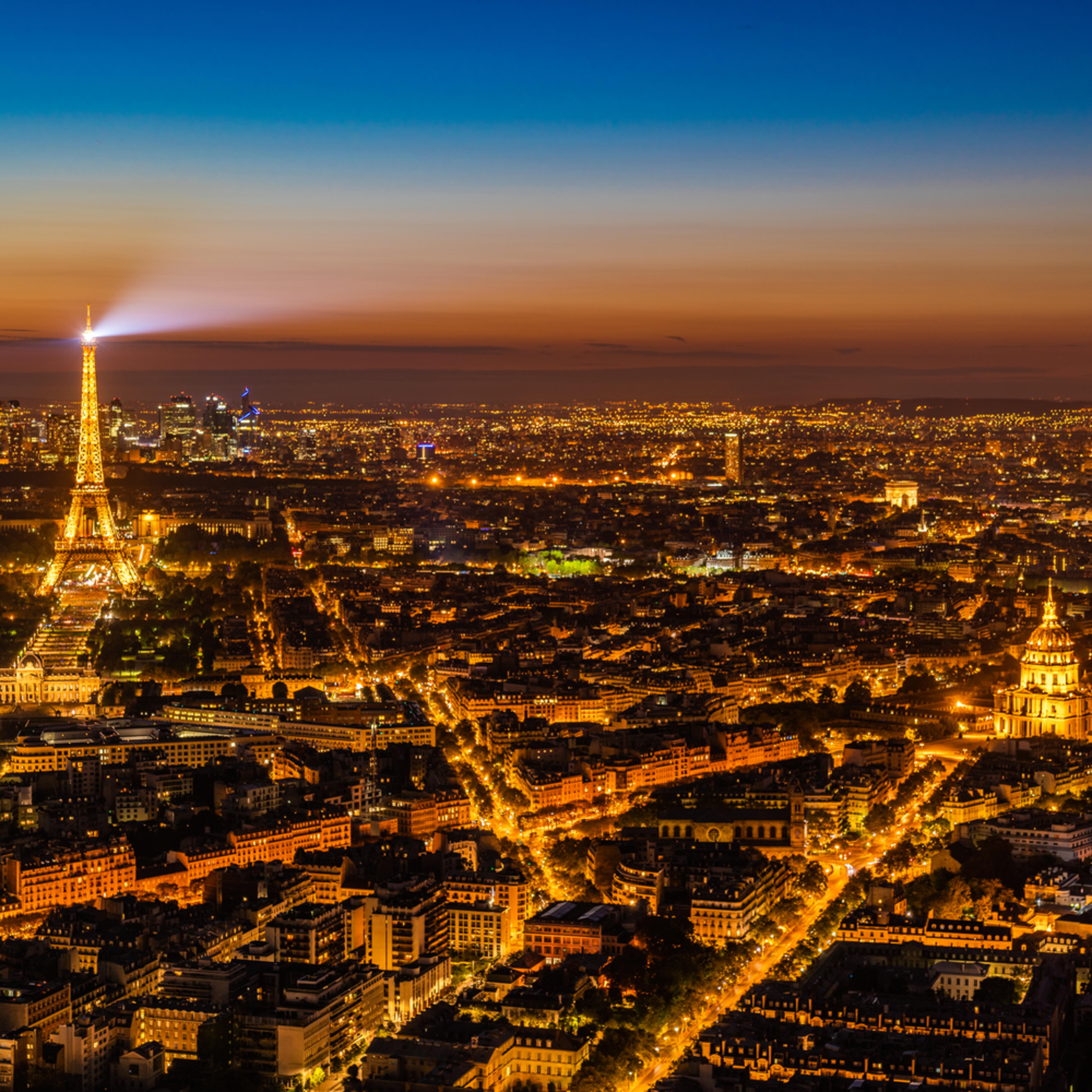 Paris at night hhnbwl
