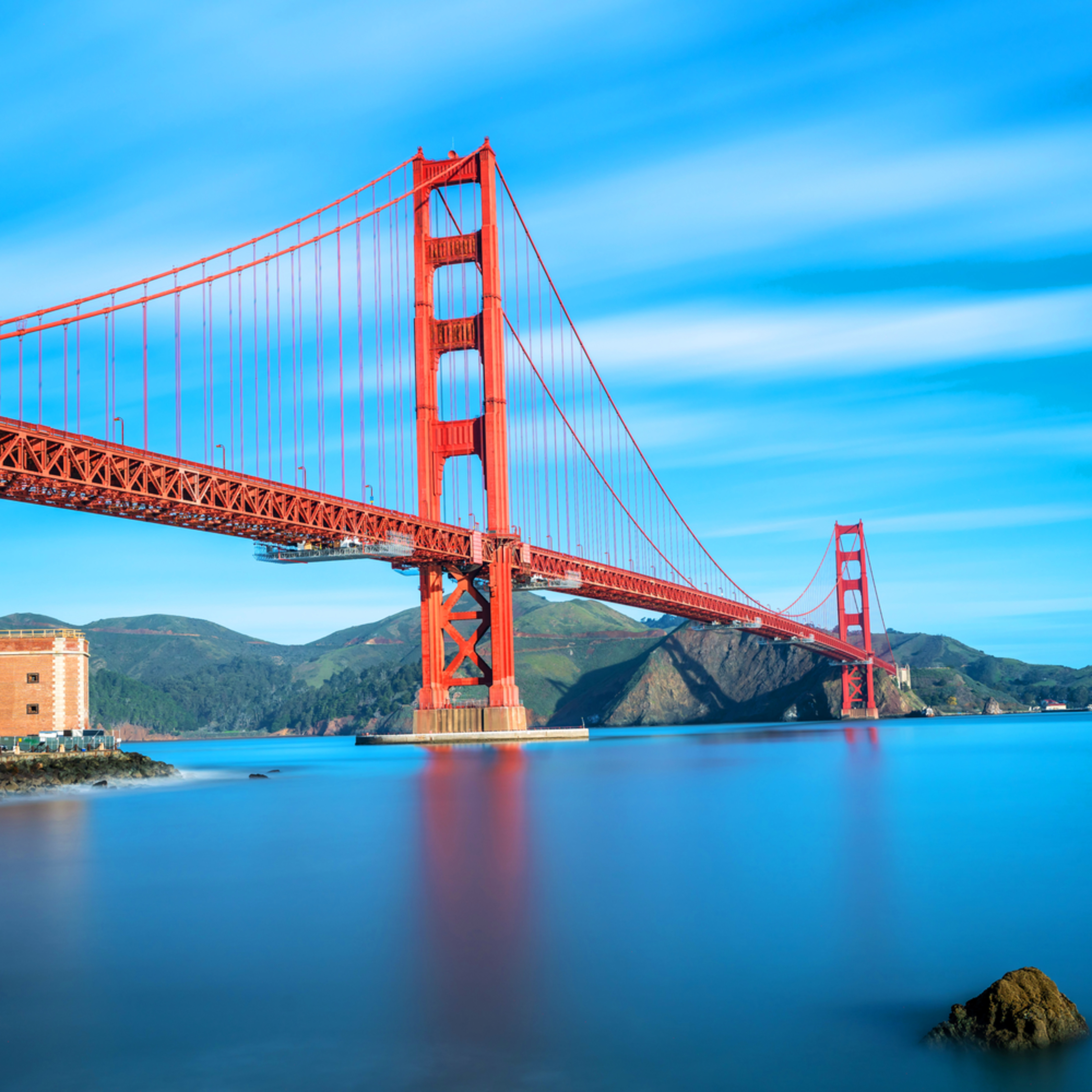 Golden gate bridge and fort point aqggh8