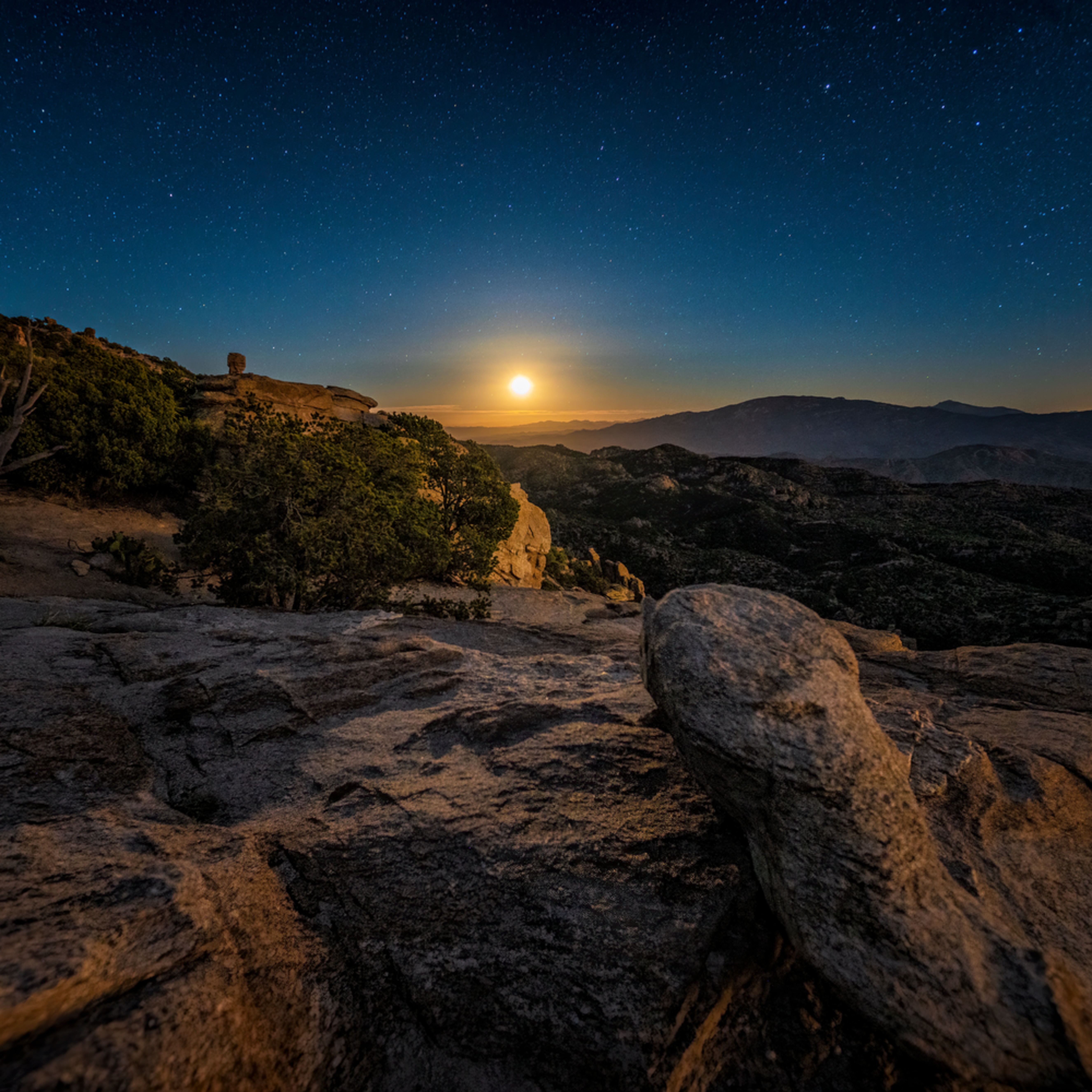 Moonrise from windy point snboga