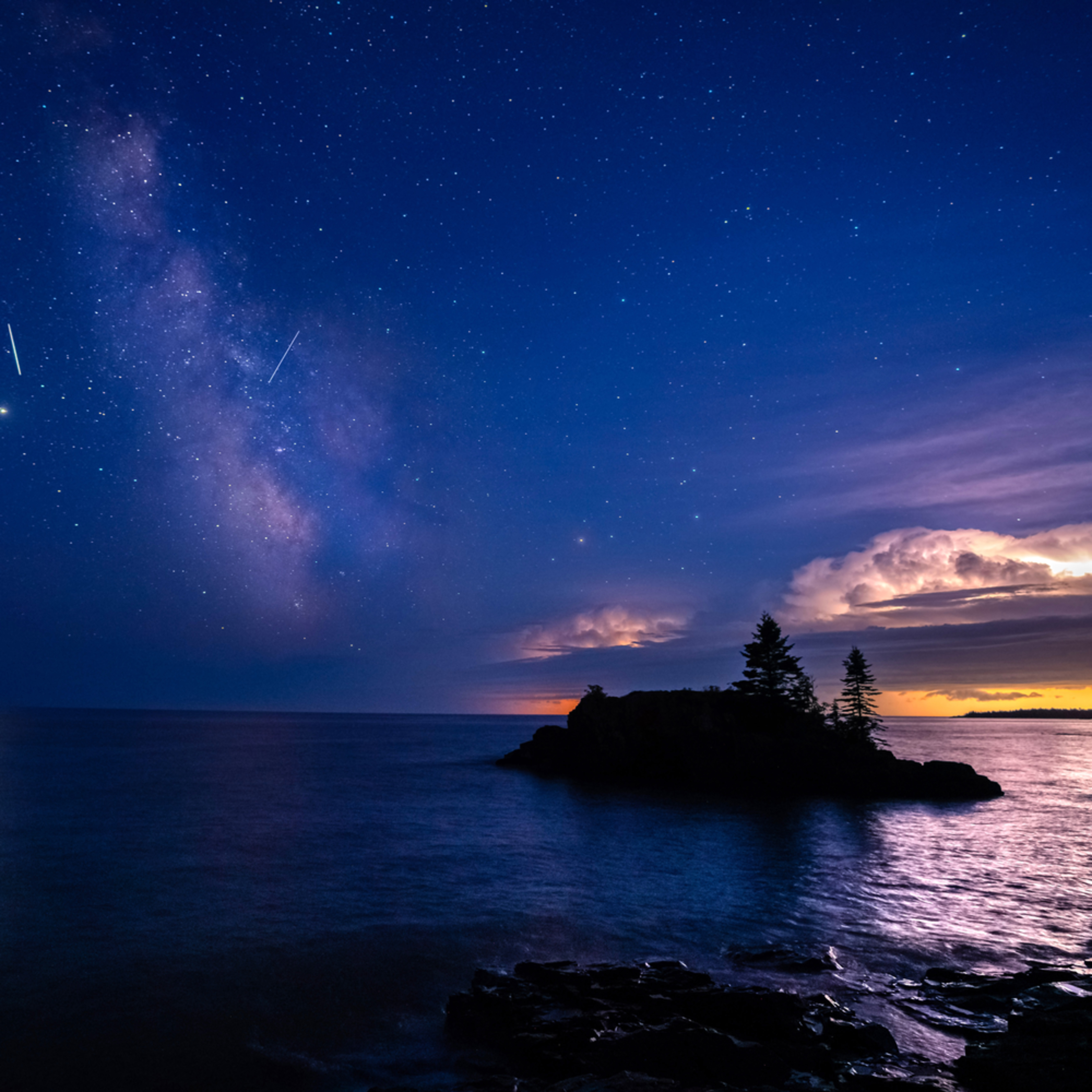Perseid meteors milky way and a thunderstorm at hollow rock mmmdae