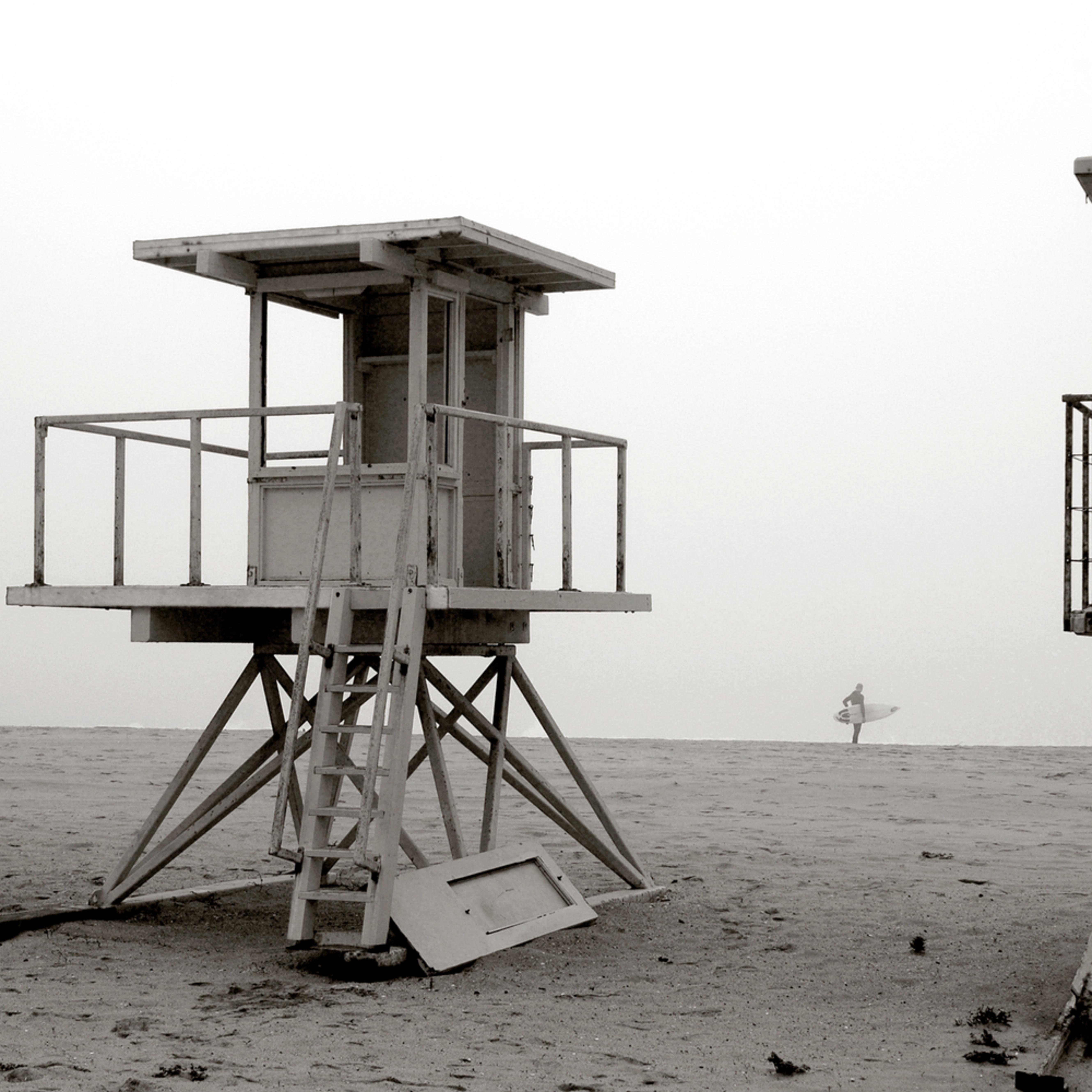 Huntington beach dilapidated vintage lifeguard stand california nrfqax