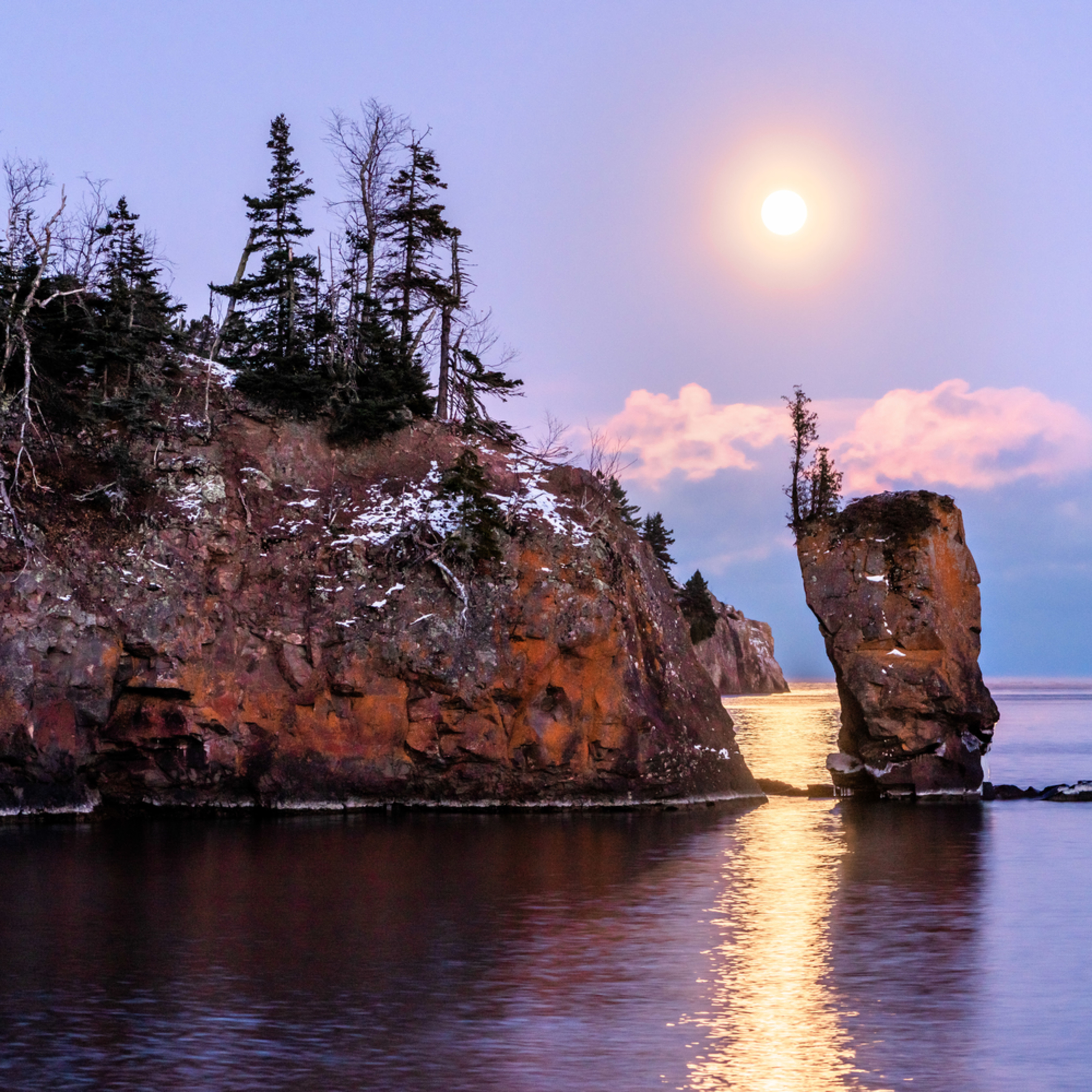 Last moon on the rise hhv0tv