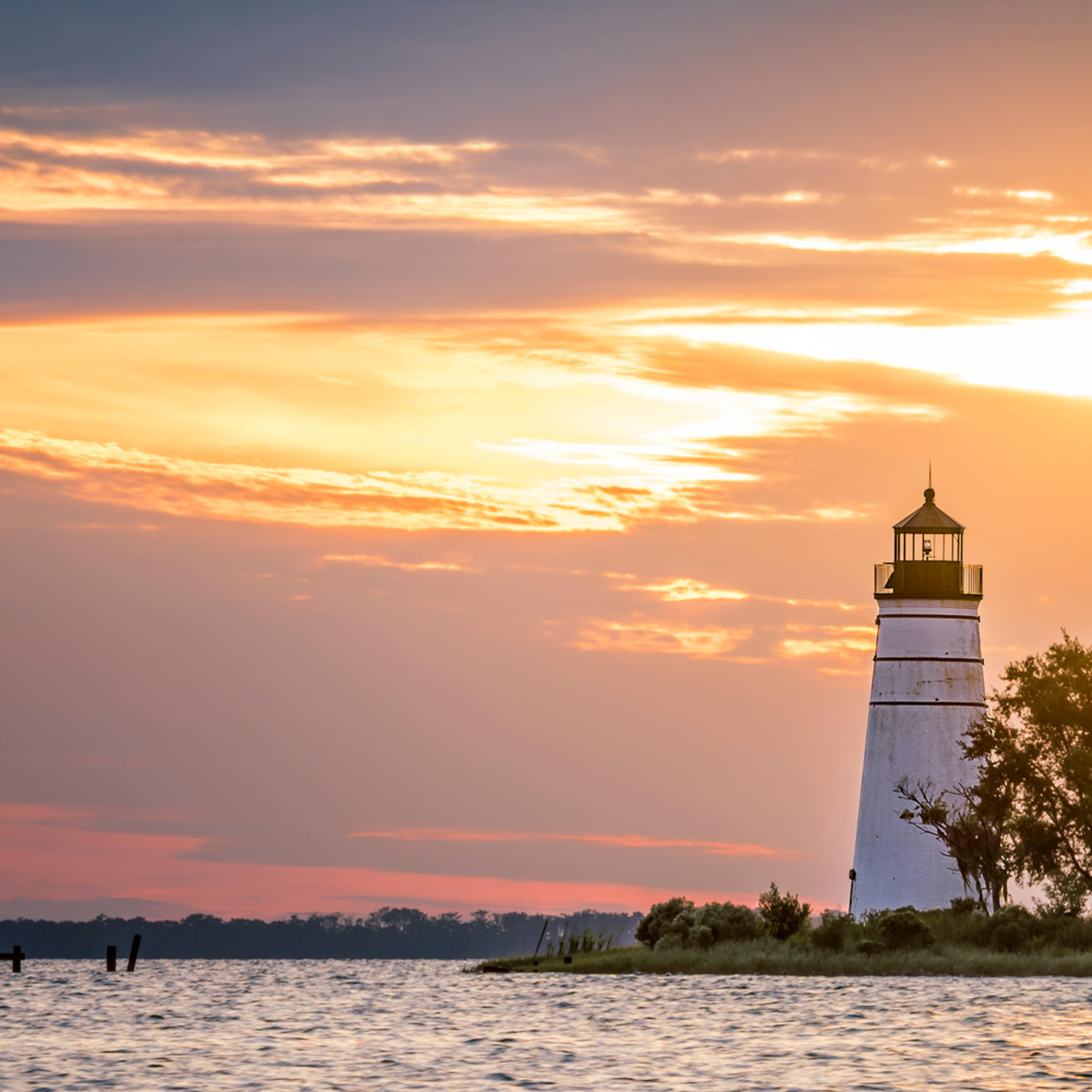 Madisonville lighthouse 1015 3 ftraai