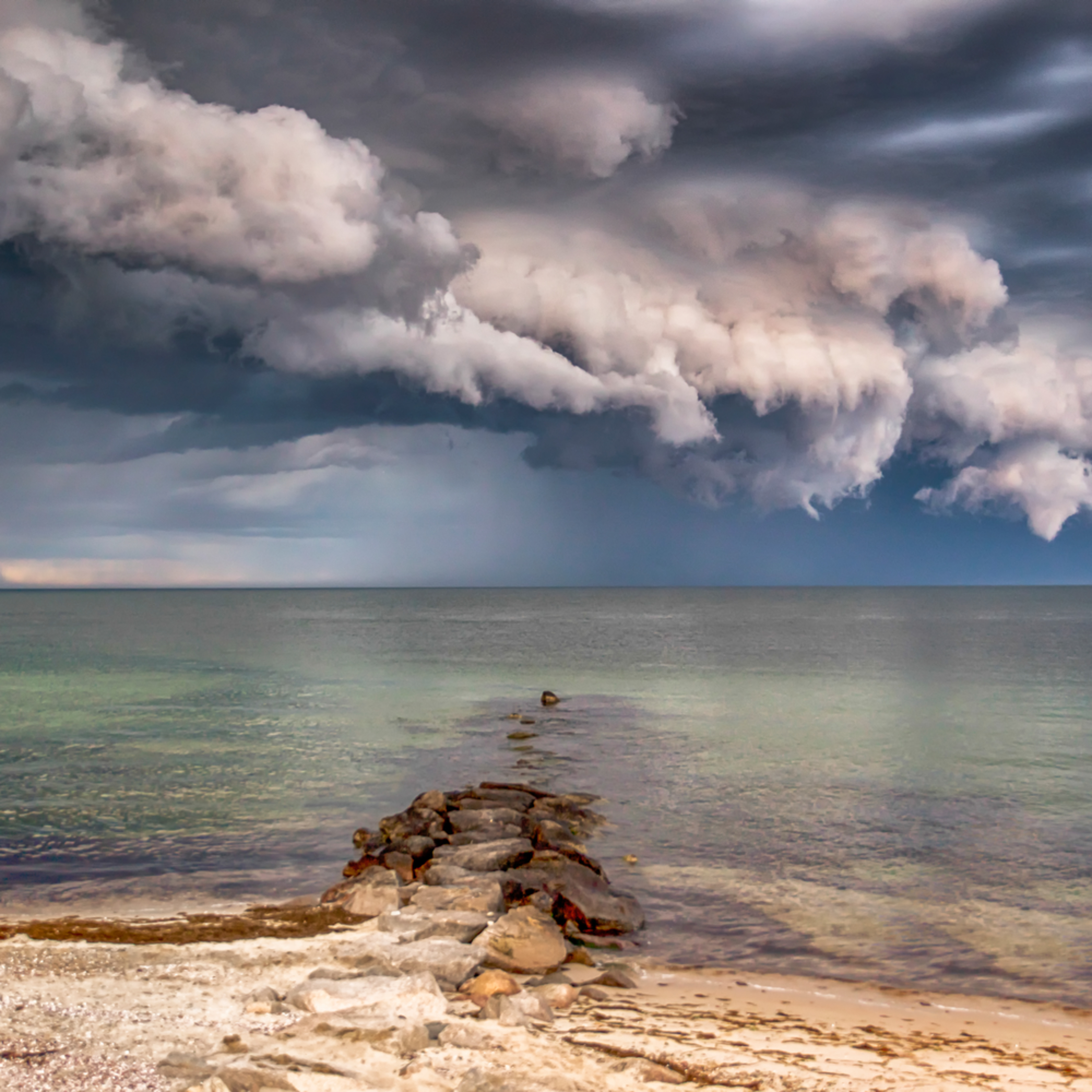 Inkwell thunderstorm clouds iwomtt