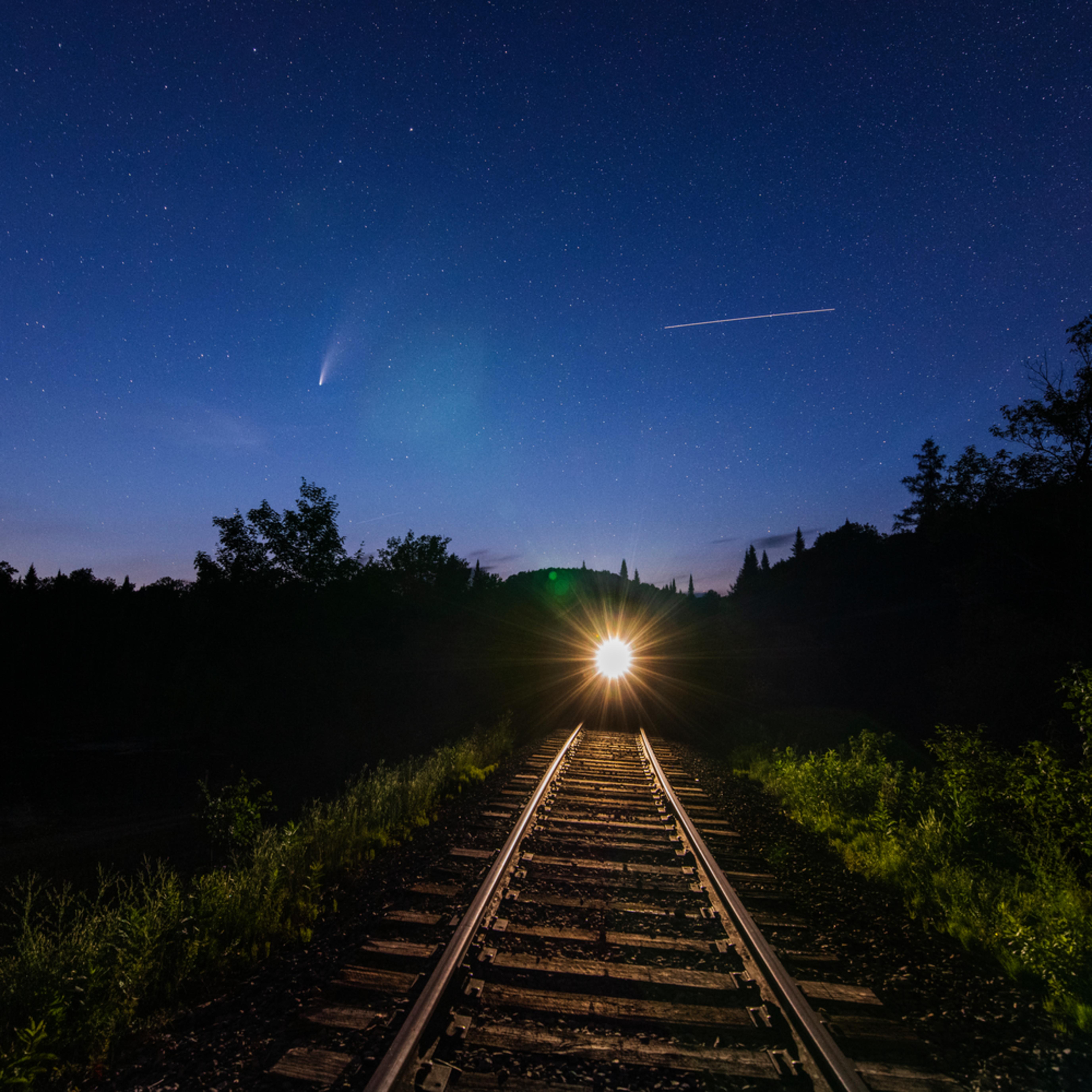 Commet train space station bjachf