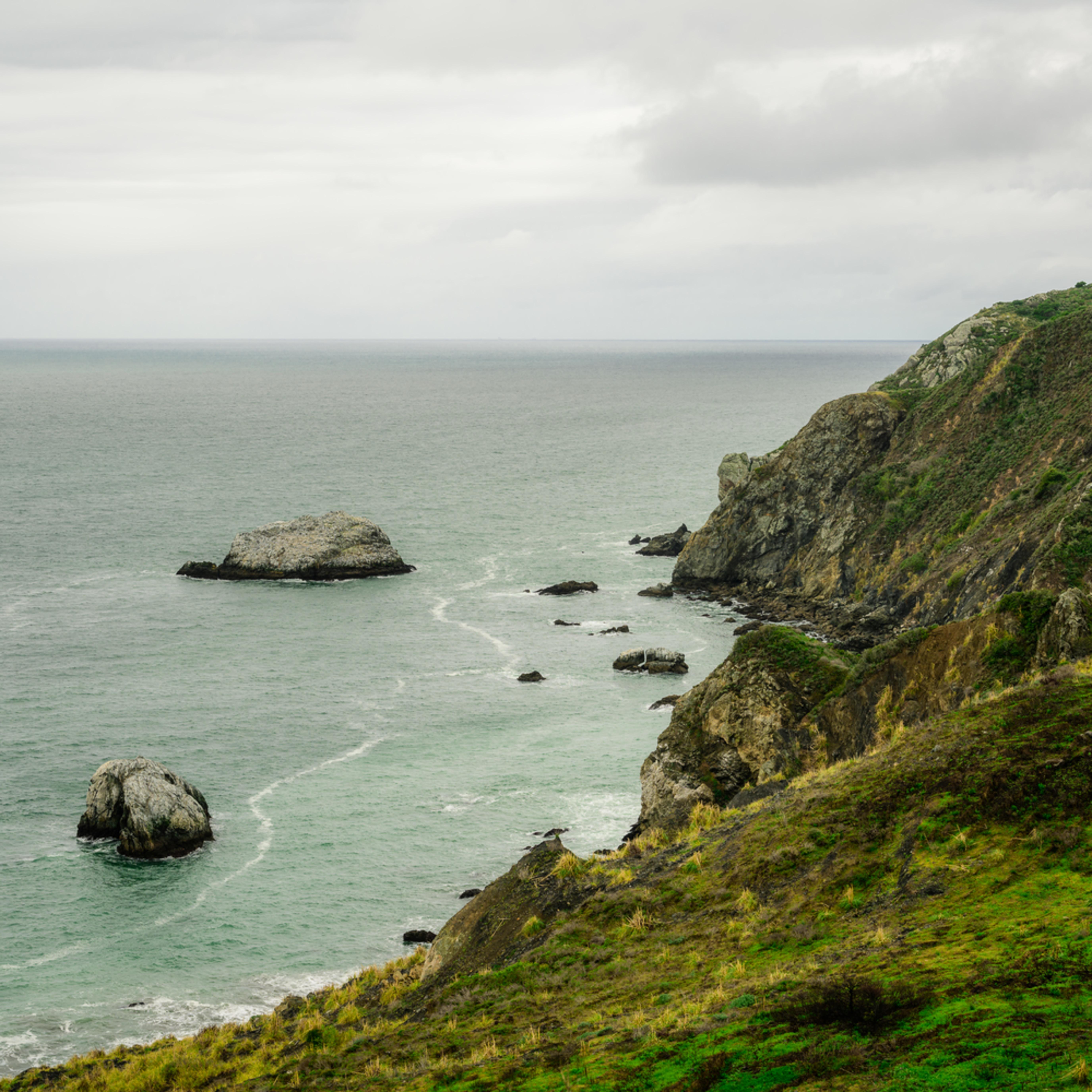 Gull rock shoreline highway california 2020 lgrqqb