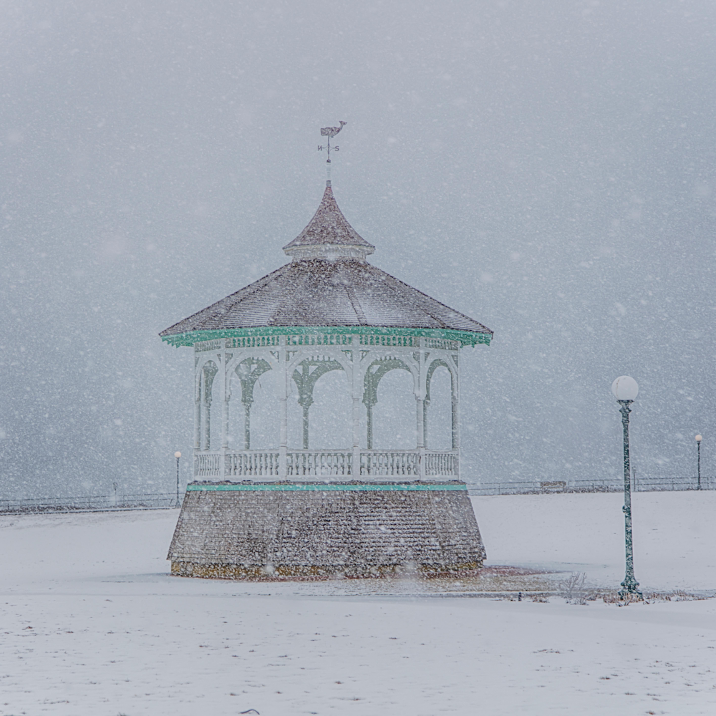 Bandstand snow tzikxd