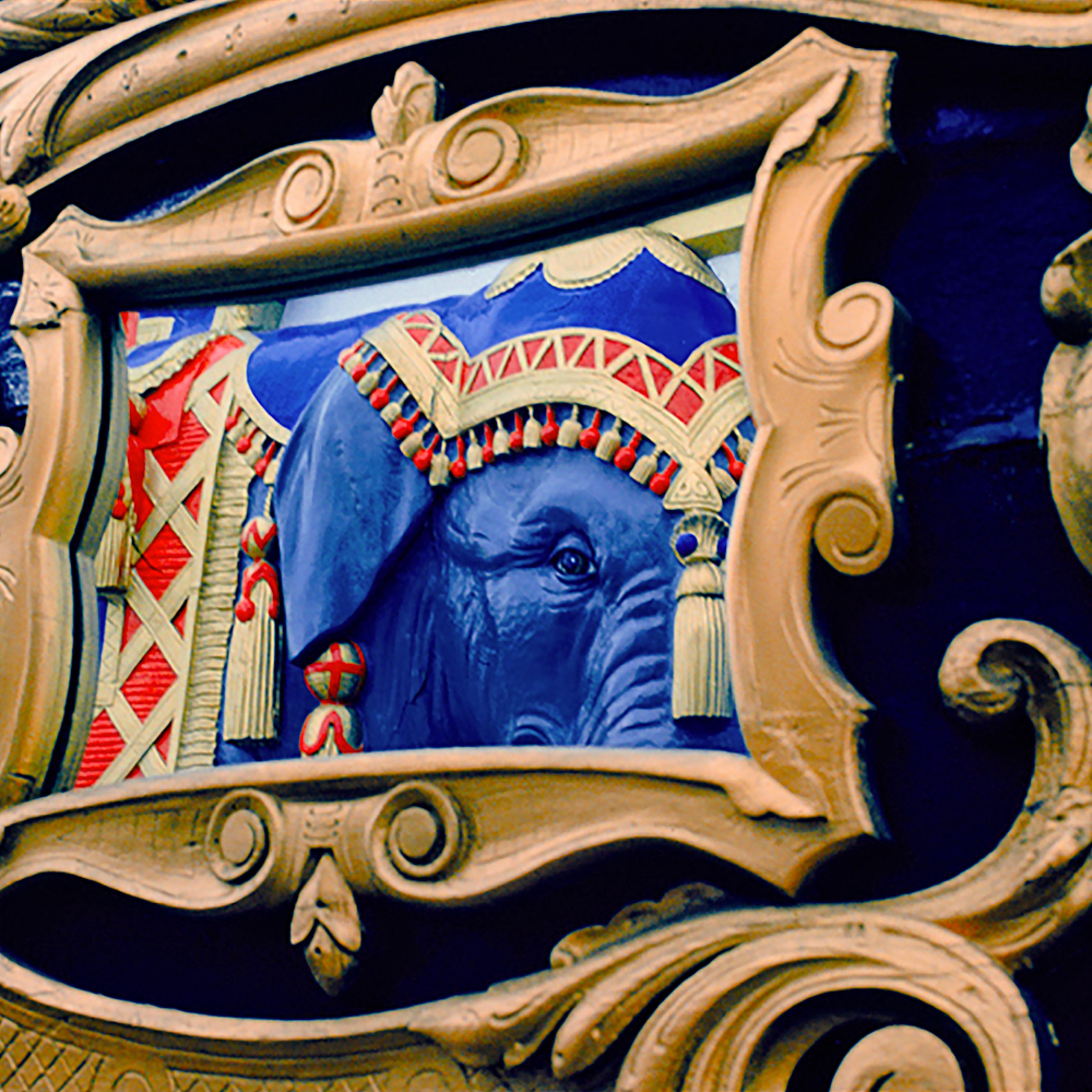 Elephantmirror final qx9coi