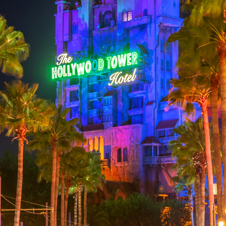 The hollywood tower hotel igdju7