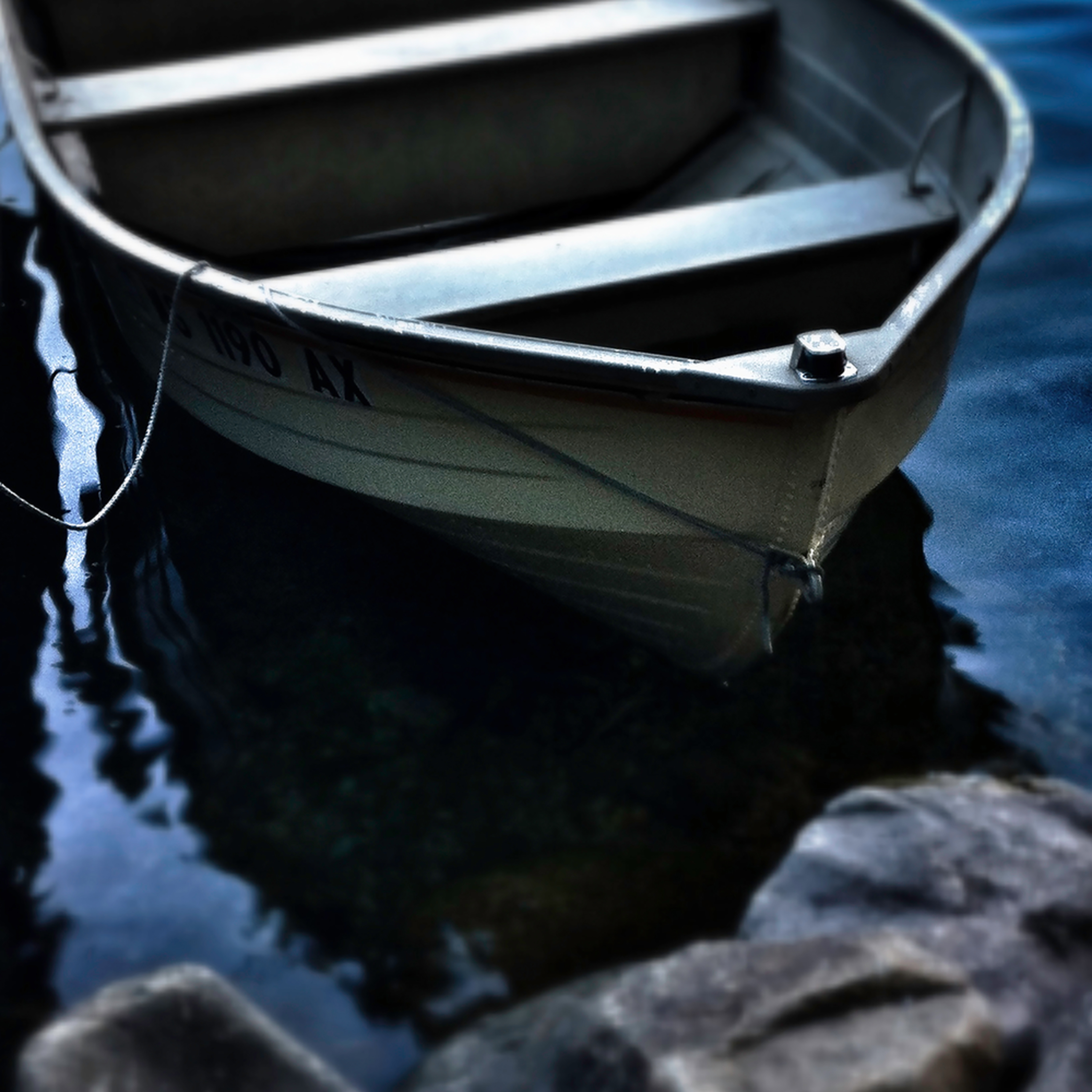 Rowboat on the rocks wd7nt1