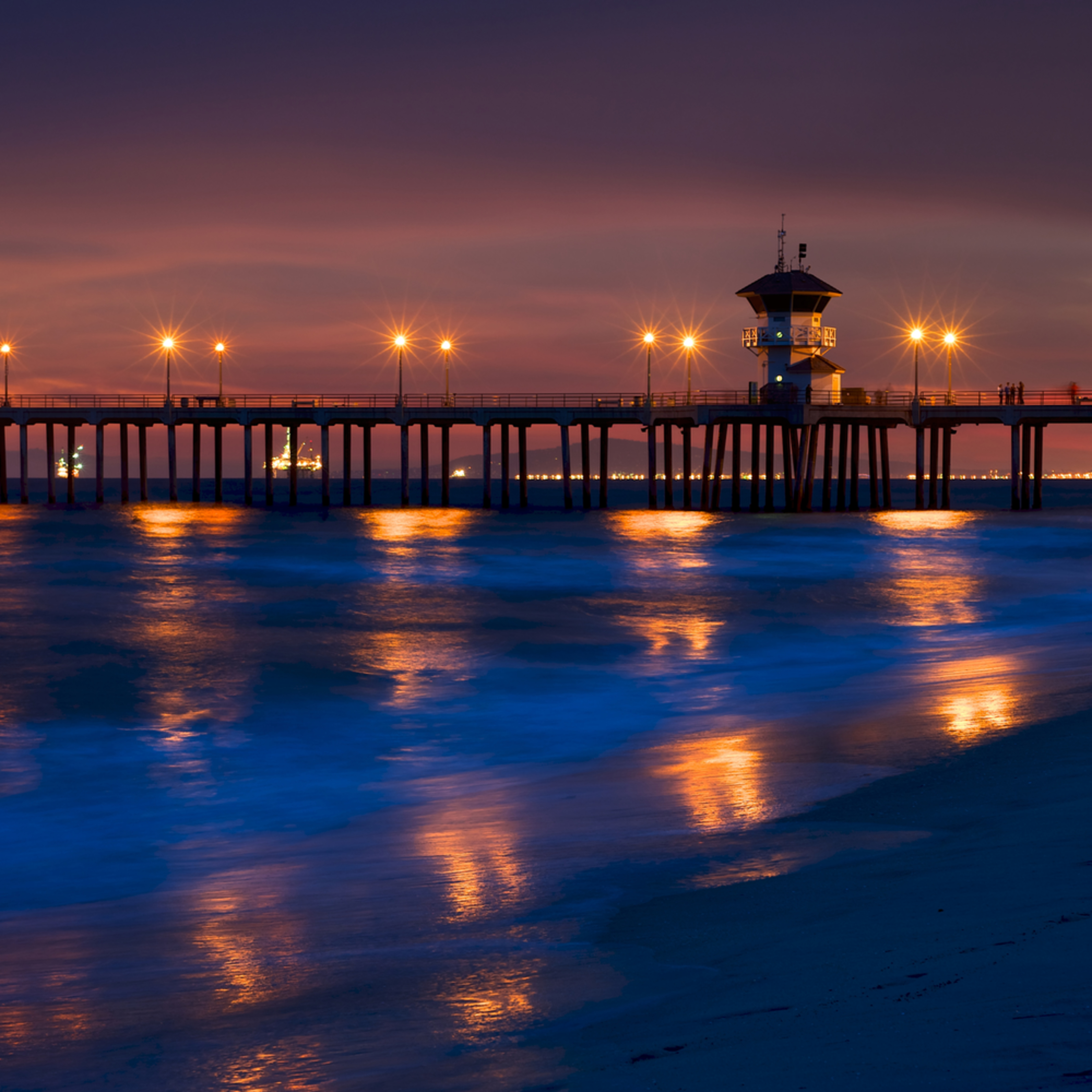 Huntington beach reflected lights surf city ca q4raie