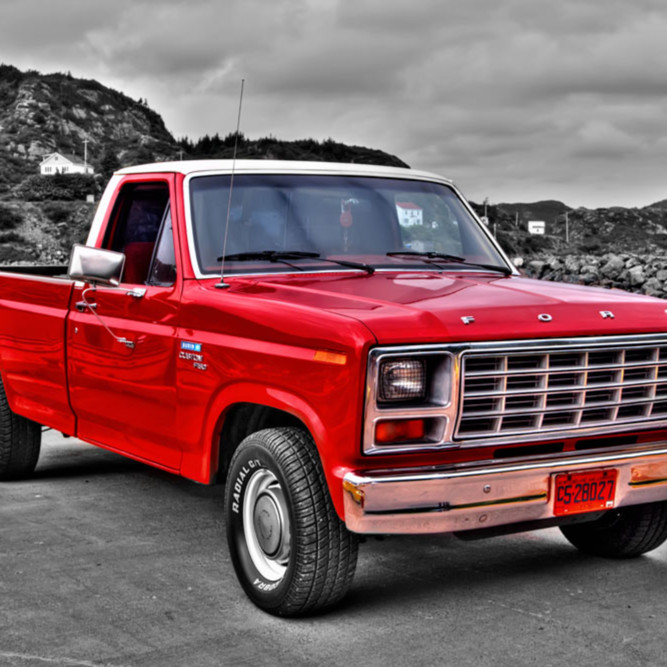 Old red ford u5lg7m