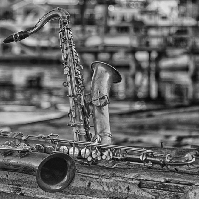 At the waterfront   saxophones bw u5uzu4
