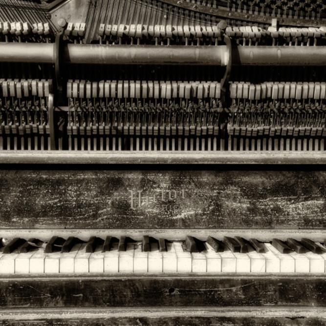 Still upright   sepia   victor chicago piano kihalx