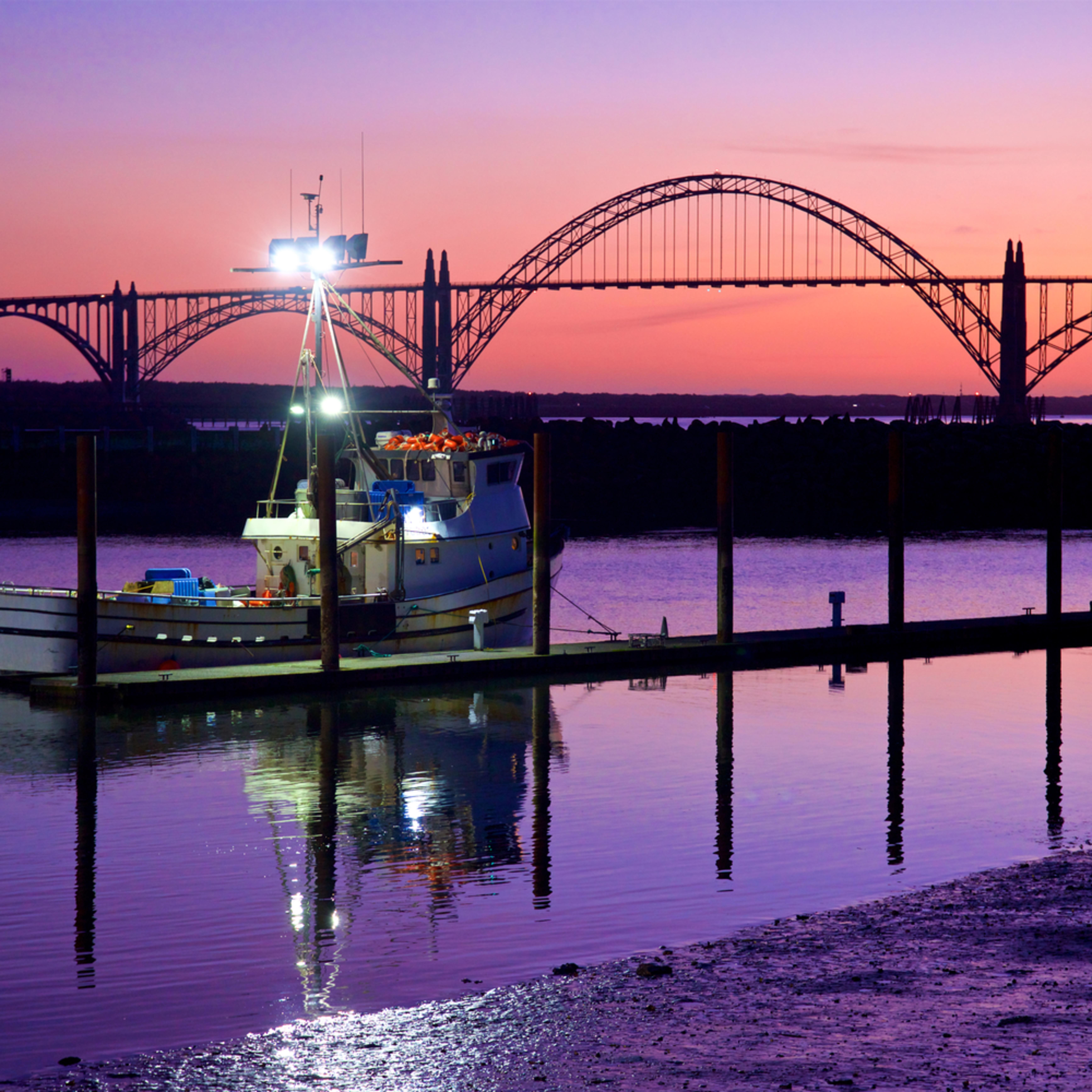 Fishing boat yaquina bay bridge sunset newport oregon qetpum