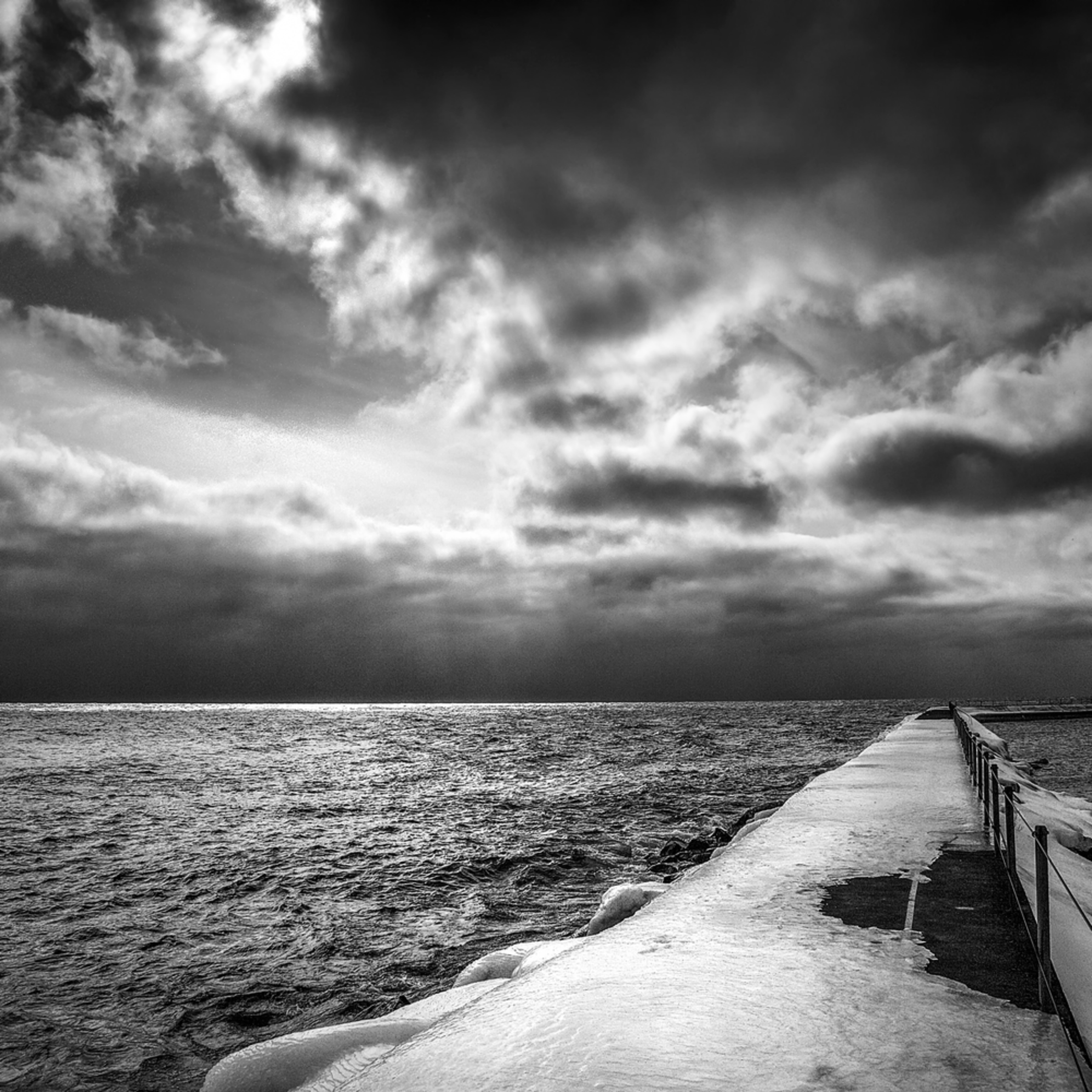 Lake superior ice walk ue0cfg