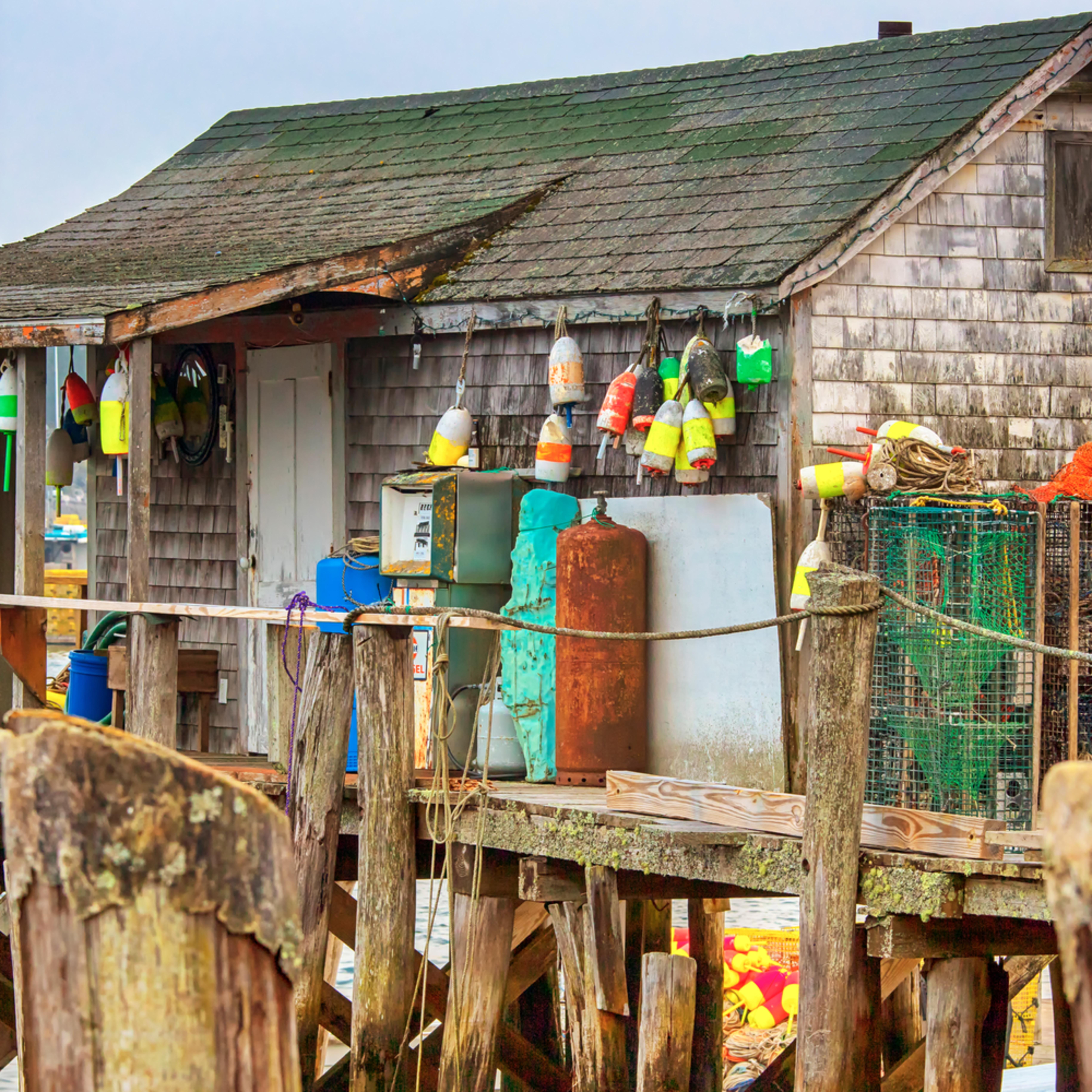 Cape porpoise fishing shack copy bk8hf0