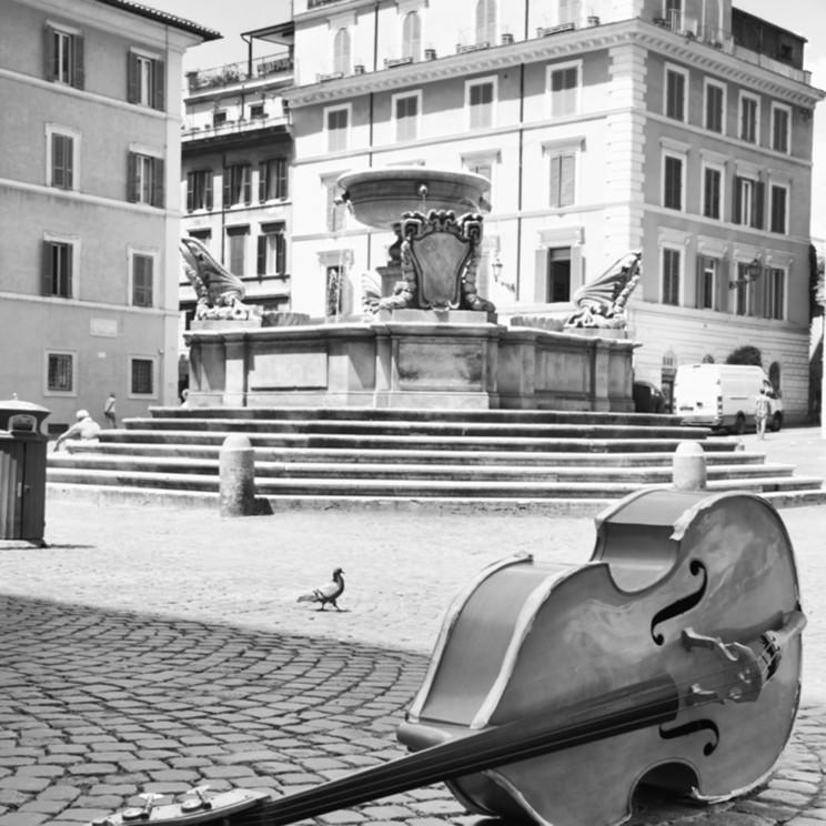 String bass in trastevere ithbdb