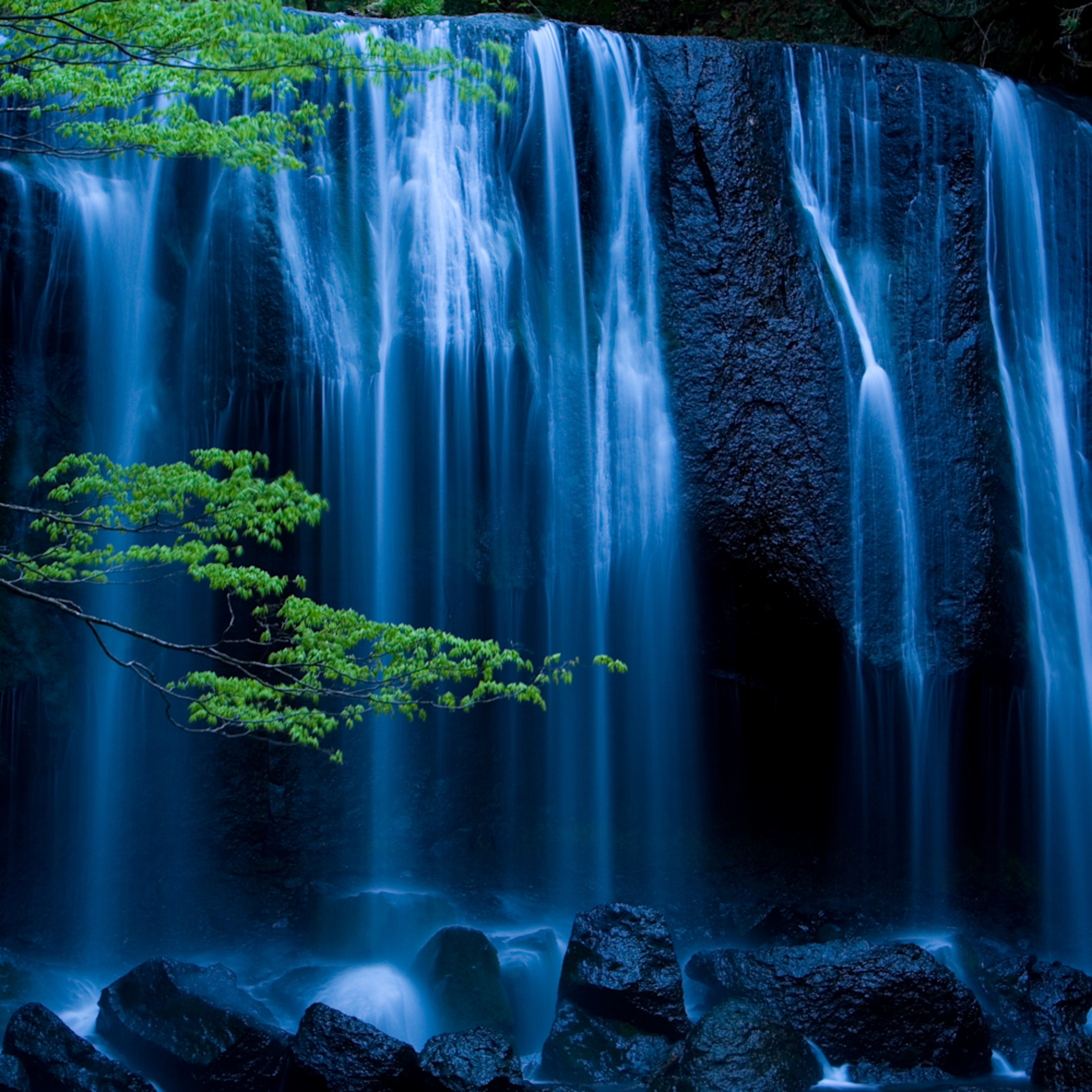 Mbp inawashiro tatsuzawa falls 20070519 0097 eemoek