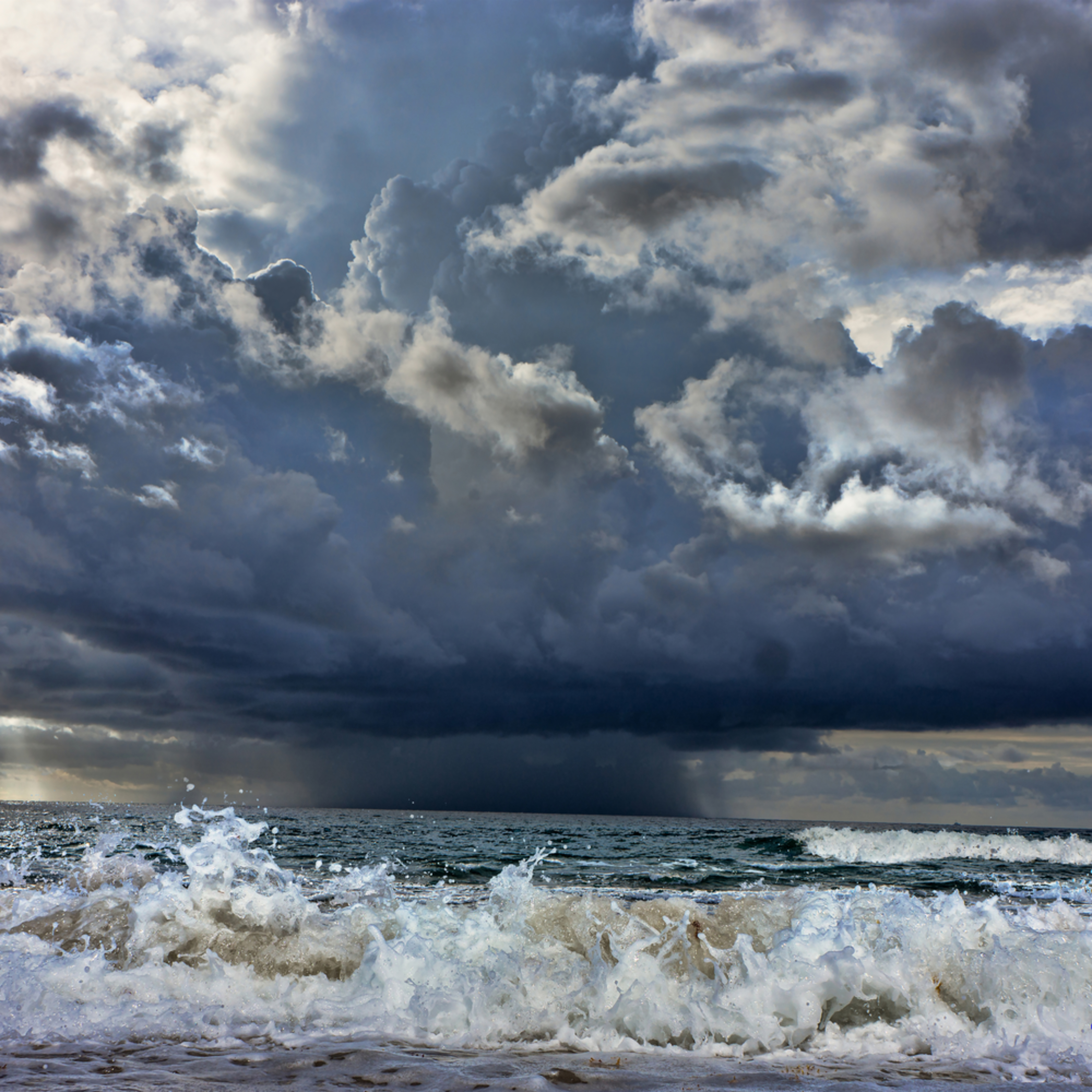 Storm on the horizon.cosimo 140904 0038 signed bffe1n