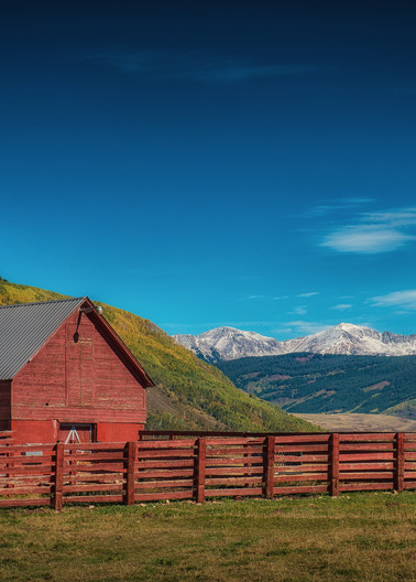 Photo of Old Colorado Red Barn Crested Butte CO