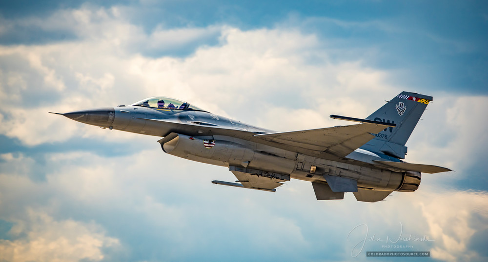 Photo F-16 Viper Air Force Jet in Fight Over Colorado