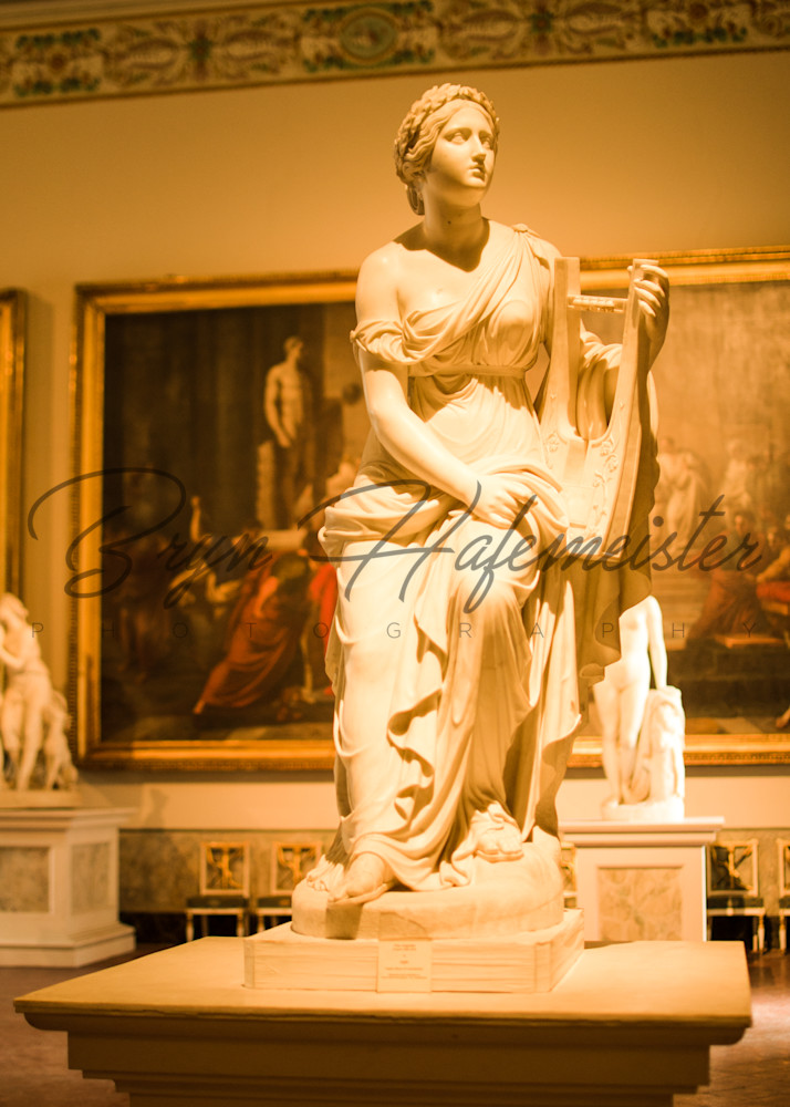 Posing in The Museo Capodimonte | Fine Art Travel Photographs