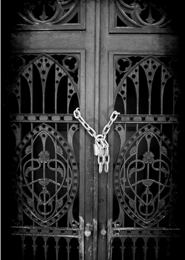 Chained Photography Art | Robert Jones Photography