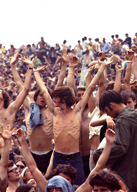 003 Woodstock Crowd Art | Cunningham Gallery