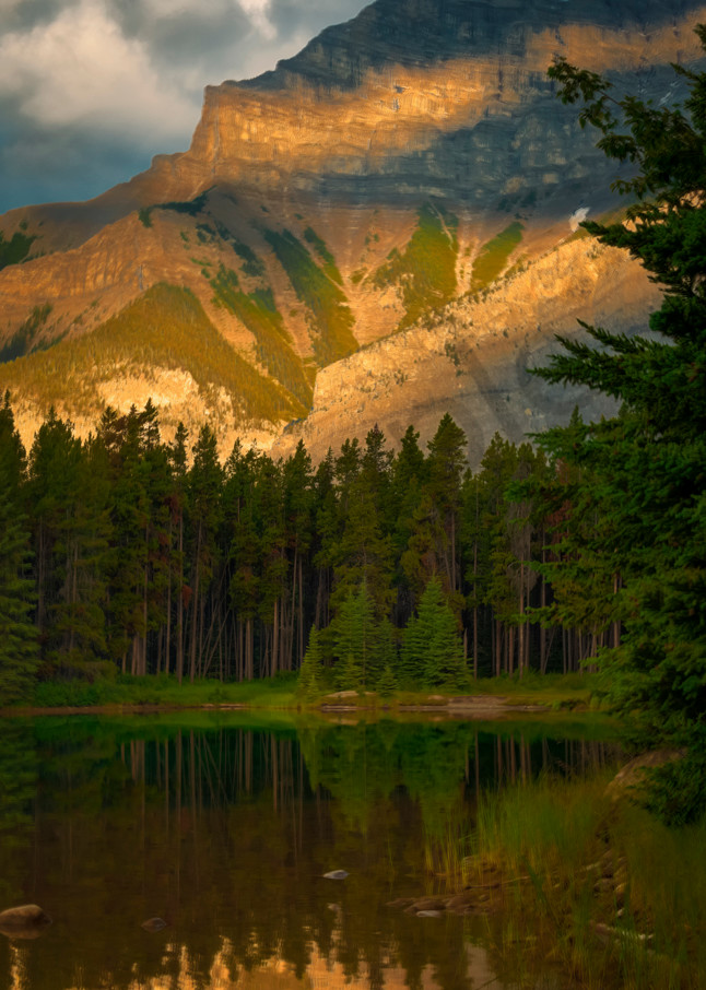 Warm Golden glow on Cascade Mountain. Banff National Park|Canadian Rockies| Rocky Mountains|