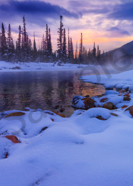 The Bow River in winter - Banff National Park.| Canadian Rockies|Rocky Mountains|