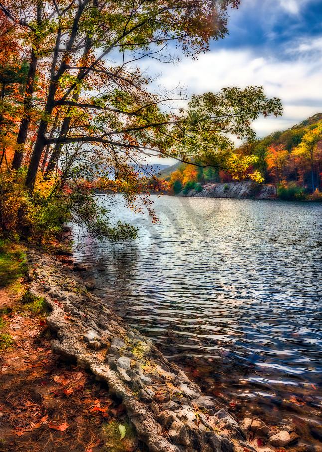 Fall foliage along Hudson River