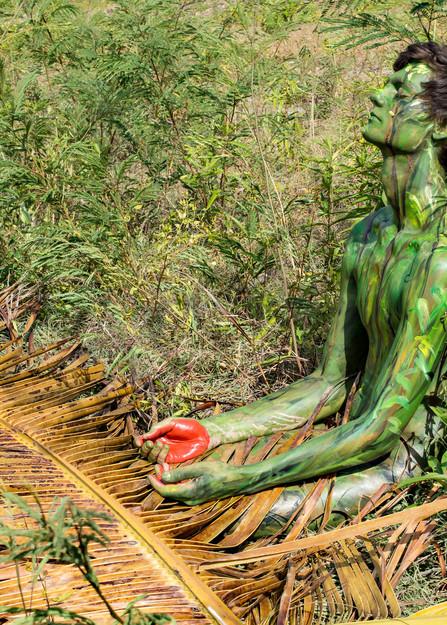 2014 Grass Palm Haiti Art   BODYPAINTOGRAPHY