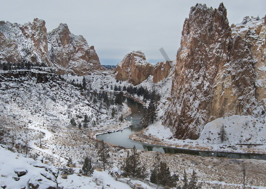 Smith Rock Snowdusting Photography Art   Barb Gonzalez Photography