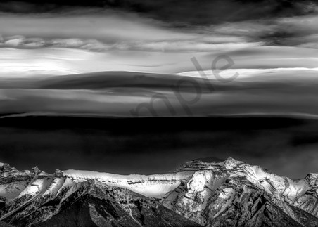 A chinook arch forms over the Fairholme Range in Banff. |Canadian Rockies|Banff National Park|Rocky Mountains|