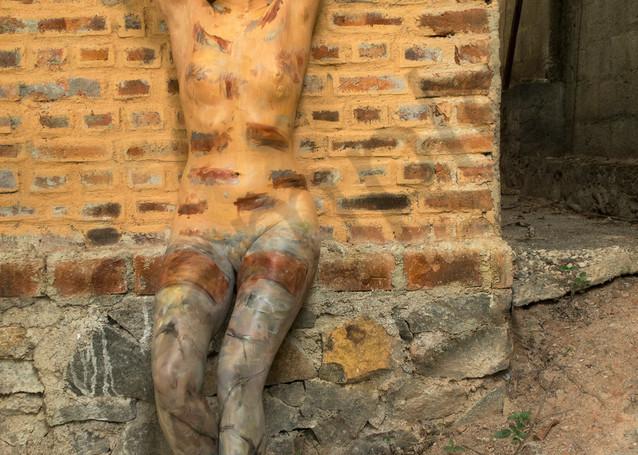 2018  Peach Brick Wall  Sri Lanka Art   BODYPAINTOGRAPHY