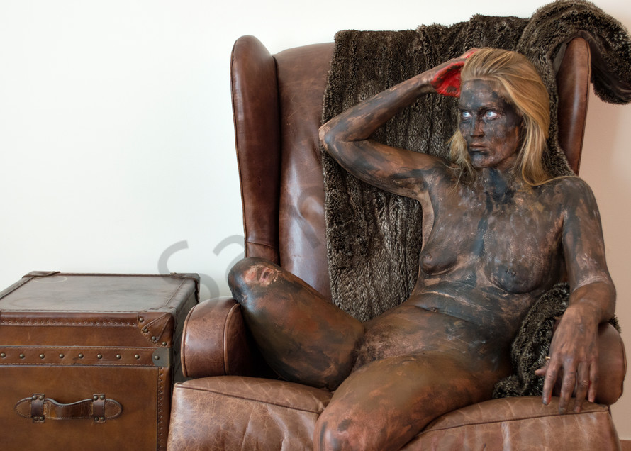 2016  Leather Chesterfield Art   BODYPAINTOGRAPHY