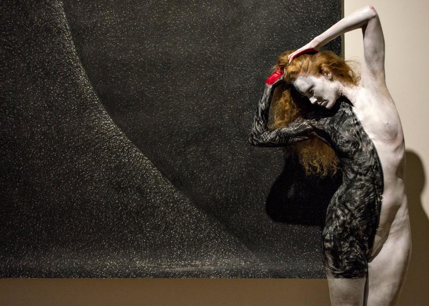 2014 Black White Switzerland Art | BODYPAINTOGRAPHY