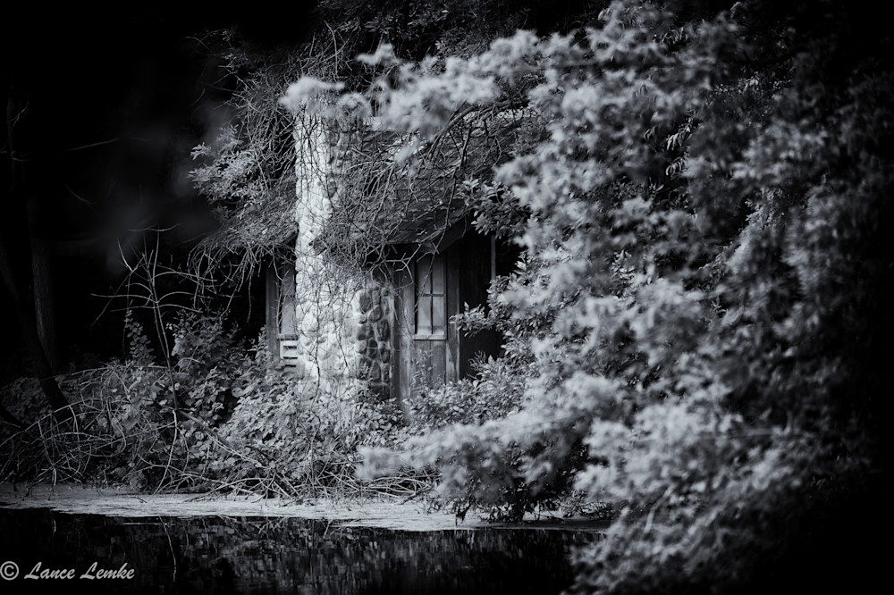 Brookfield Zoo, Lake cottage