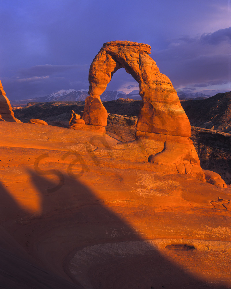 Sunset light on Delicate Arch