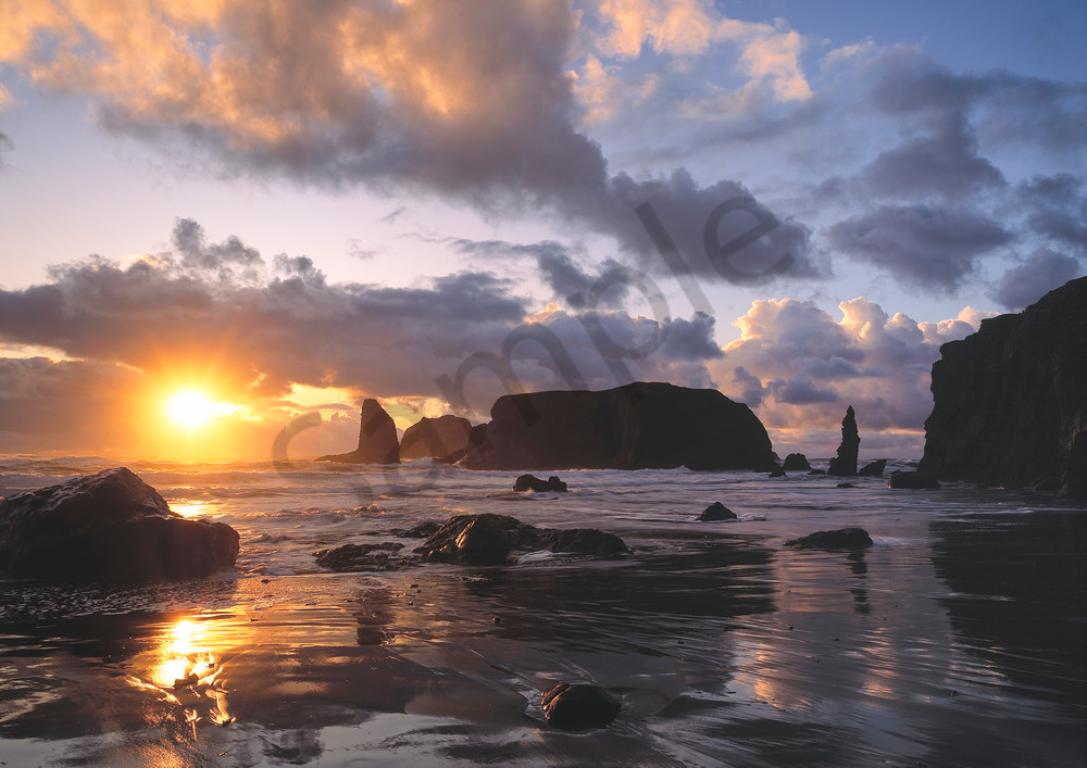 Sea stacks on Bandon Beach at sunset, Bandon, Oregon