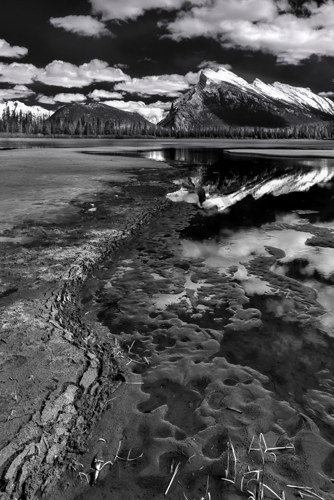 Mt. Rundle & Vermilion Lake. Banff|Banff National Park|Canadian Rockies|