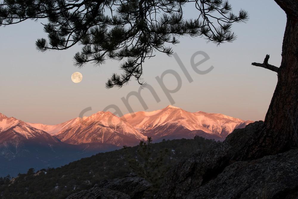 Full moon-set at sunrise above Mt. Antero, Buena Vista, Colorado