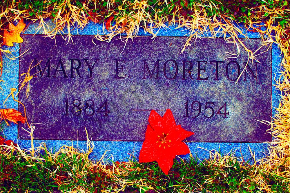 Mary E Moreton Gravestone